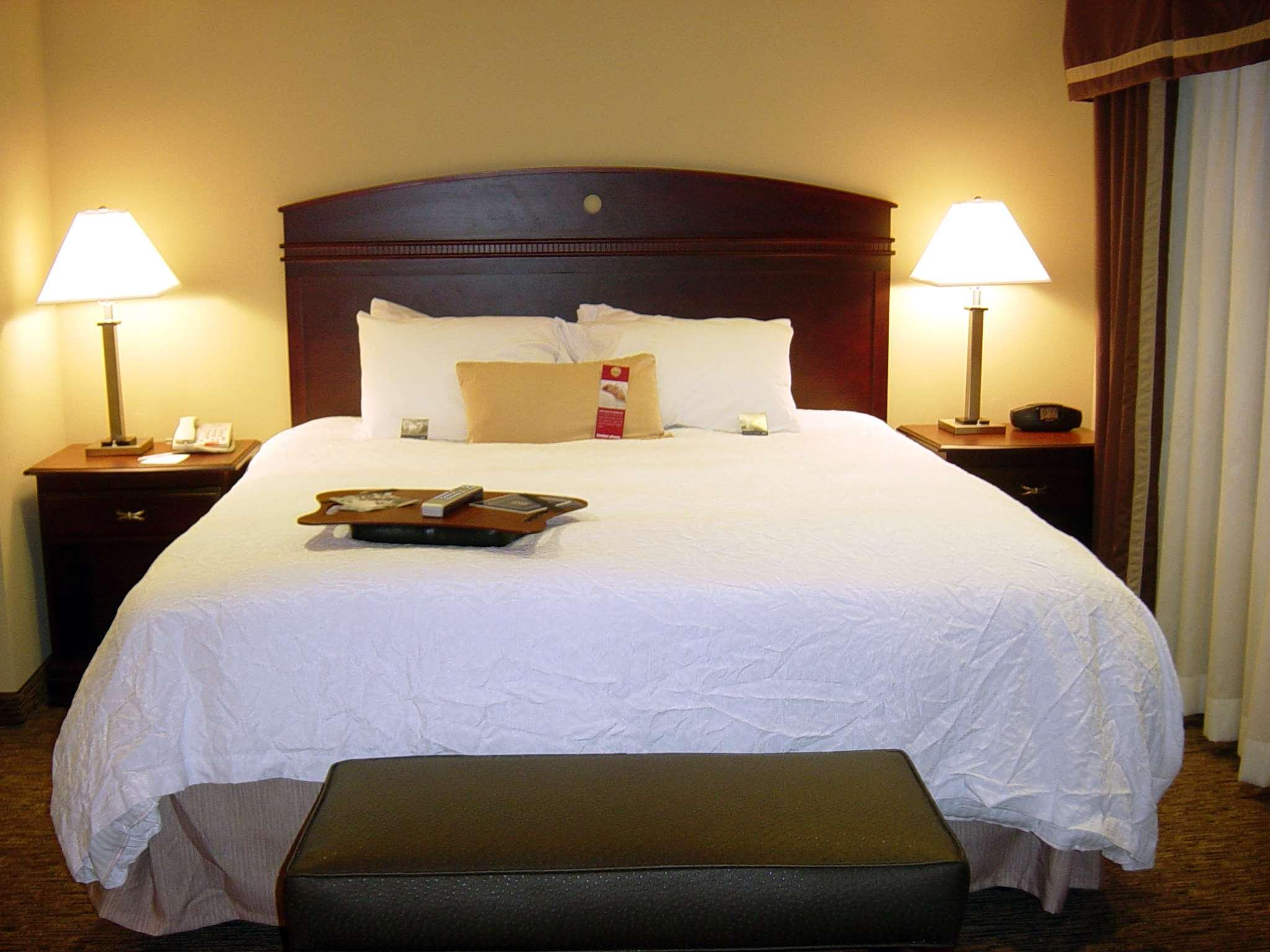 Hampton Inn & Suites Burlington image 28