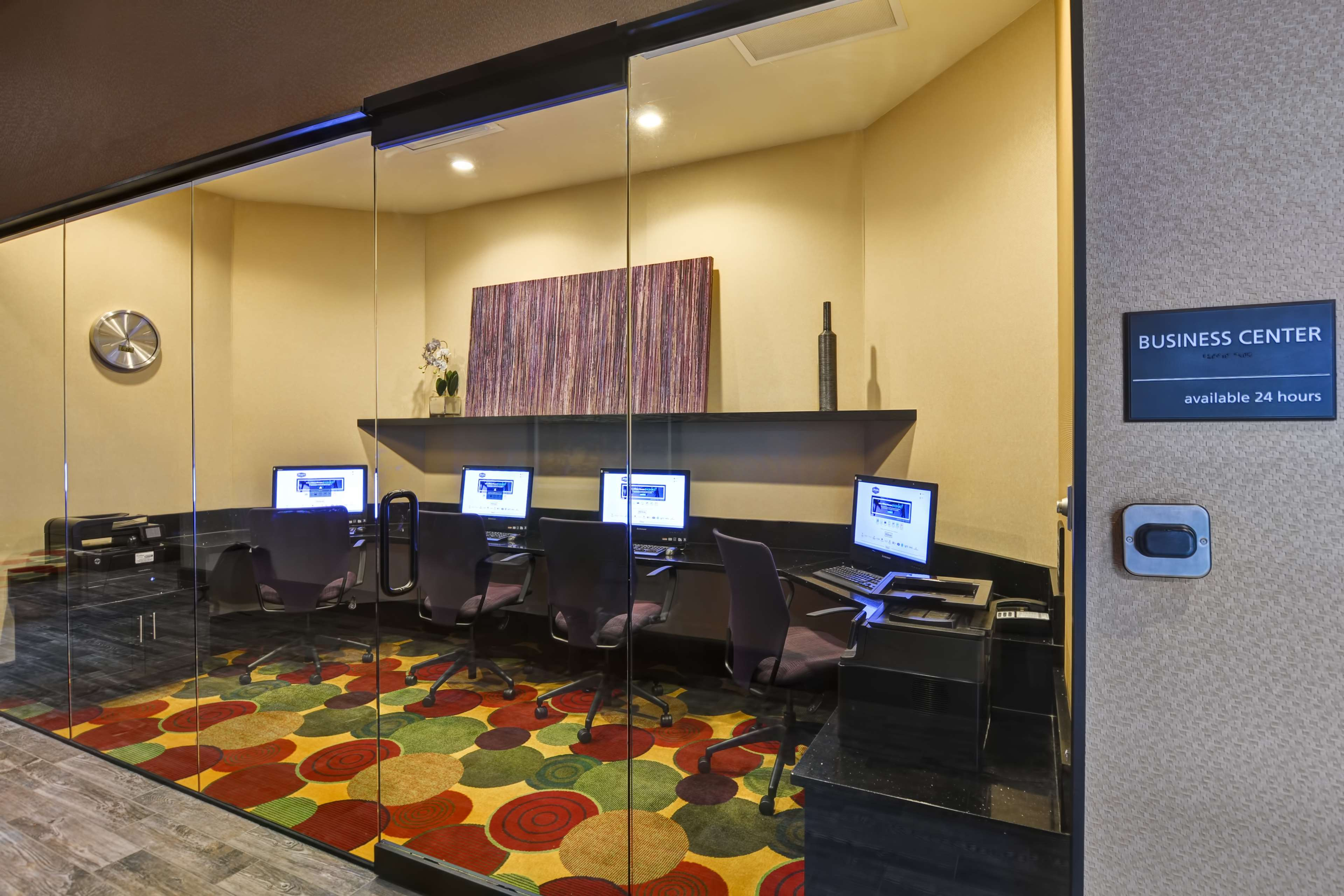 Hampton Inn & Suites Raleigh/Crabtree Valley image 43