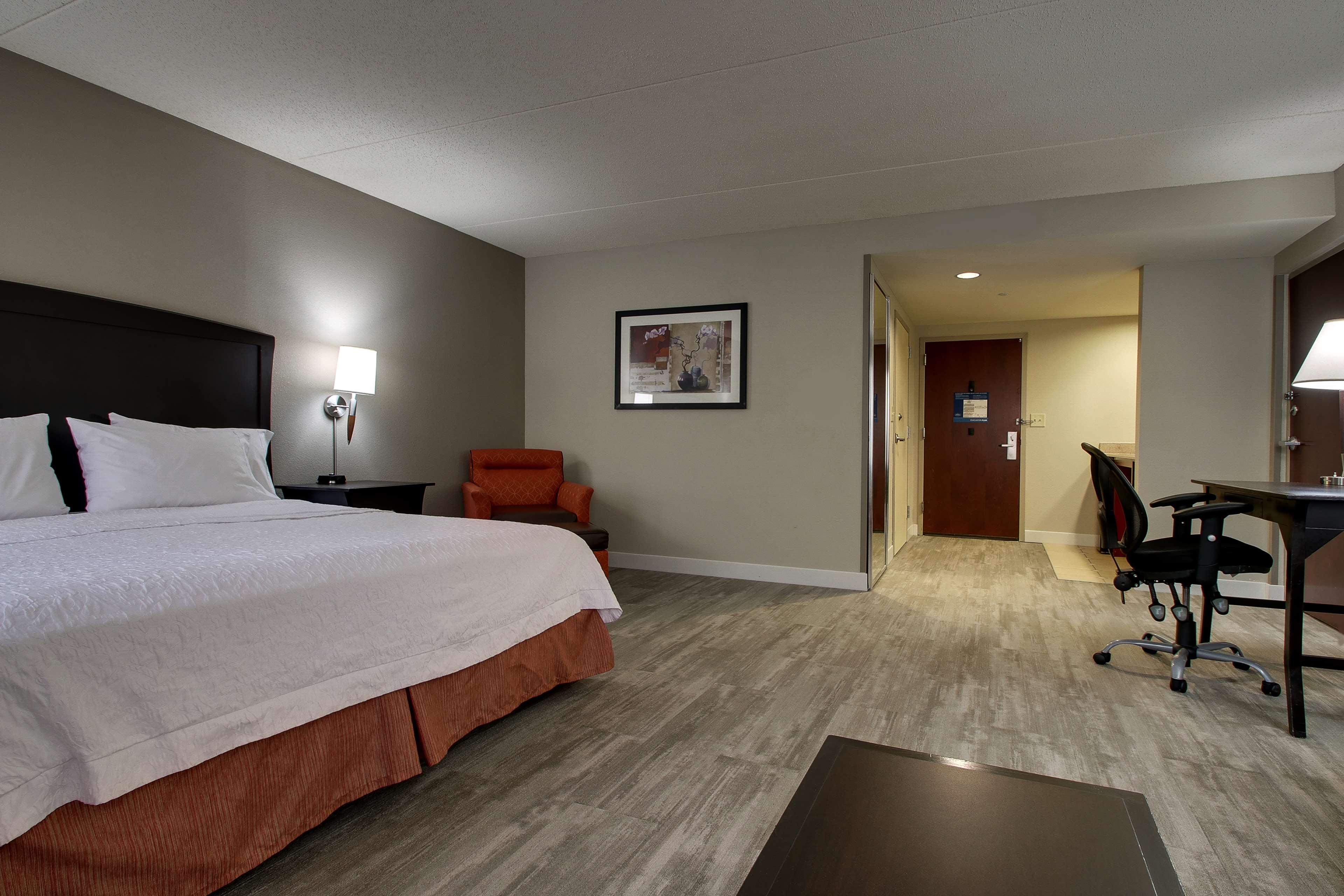 Hampton Inn & Suites Spartanburg-I-26-Westgate Mall image 24