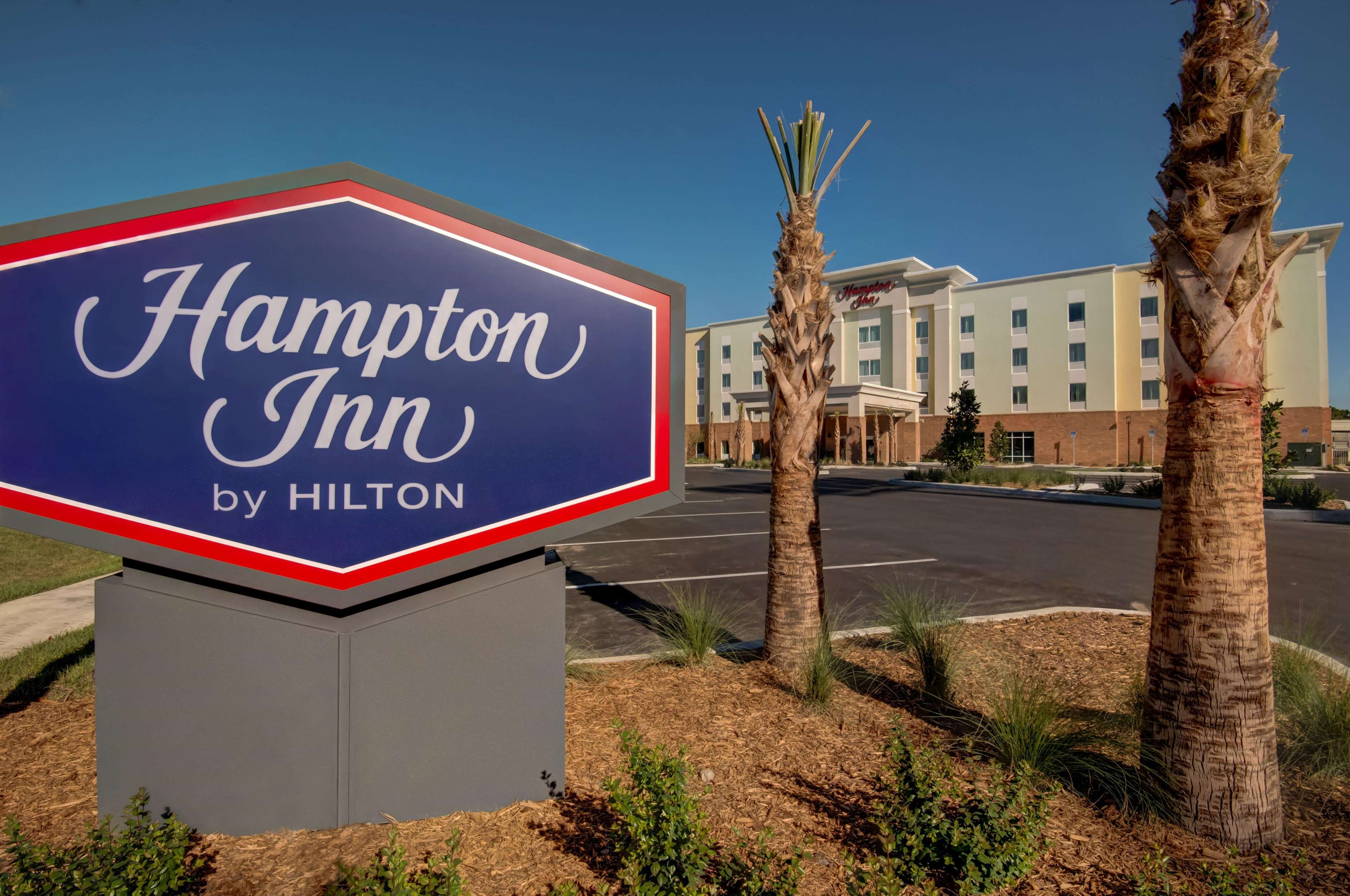 Hampton Inn Plant City image 3