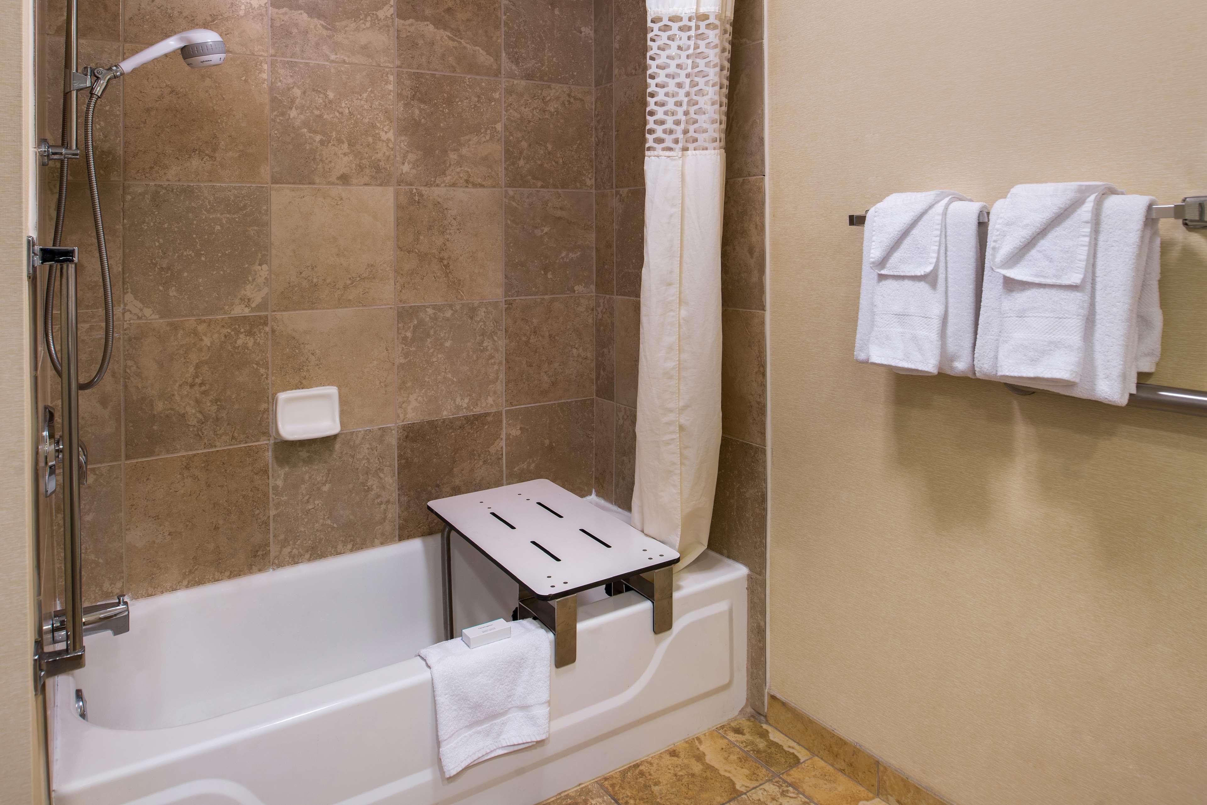 Hampton Inn & Suites Charlotte-Arrowood Rd. image 28