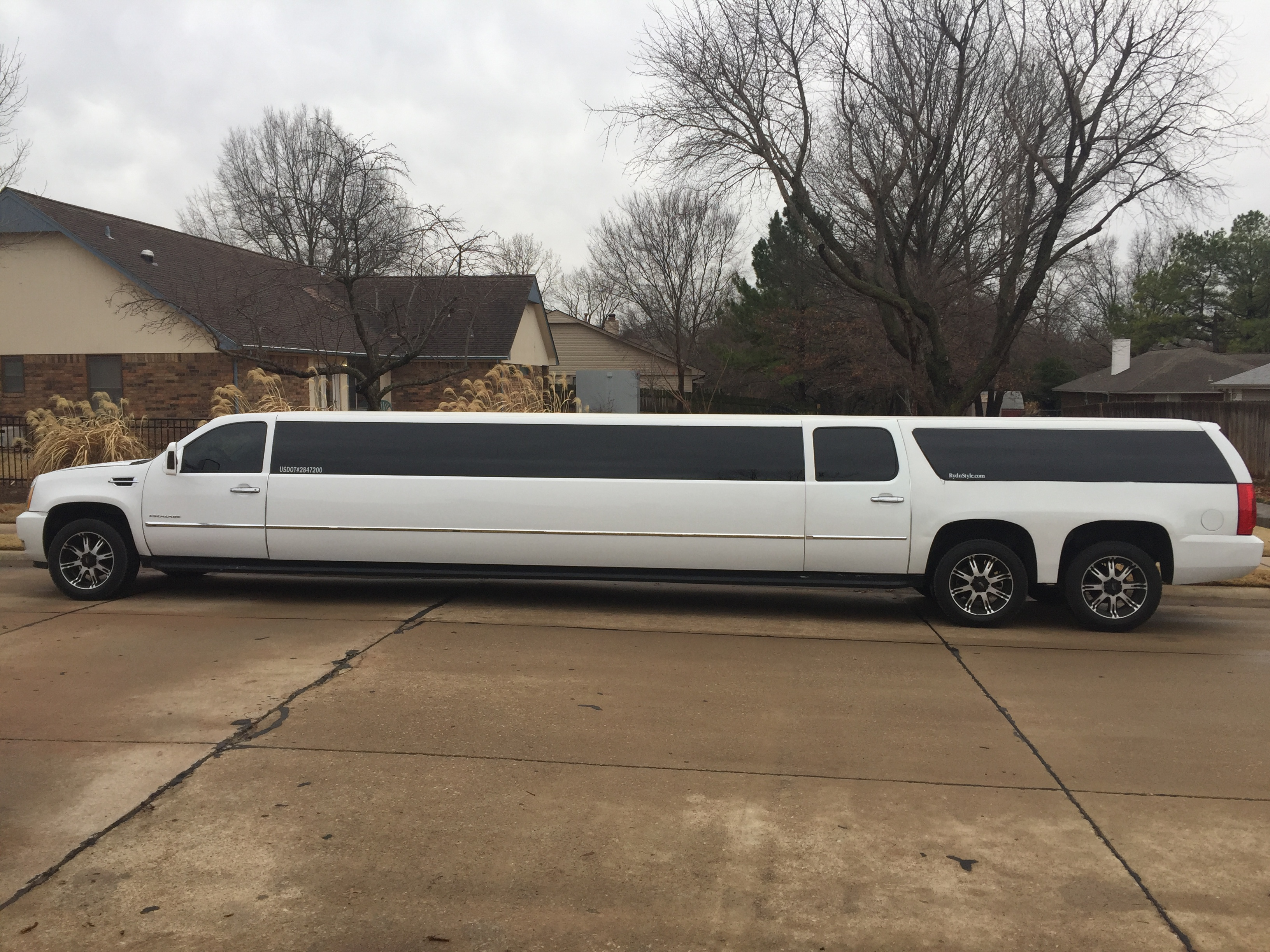 RydnStyle Limo Service image 0