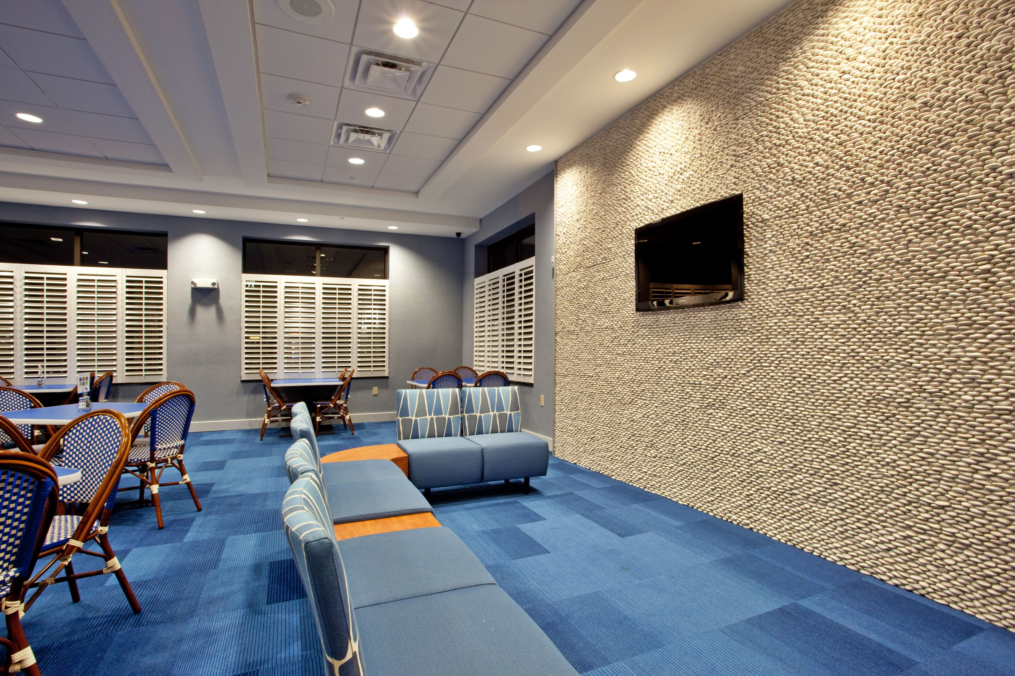 Holiday Inn Express & Suites Norfolk Airport image 4