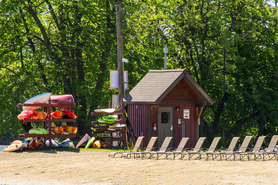 Trapper's Landing Lodge image 1