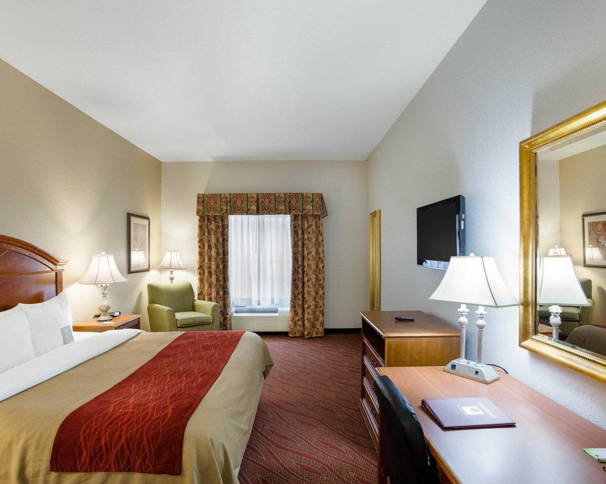 Comfort Inn & Suites Near Medical Center image 25