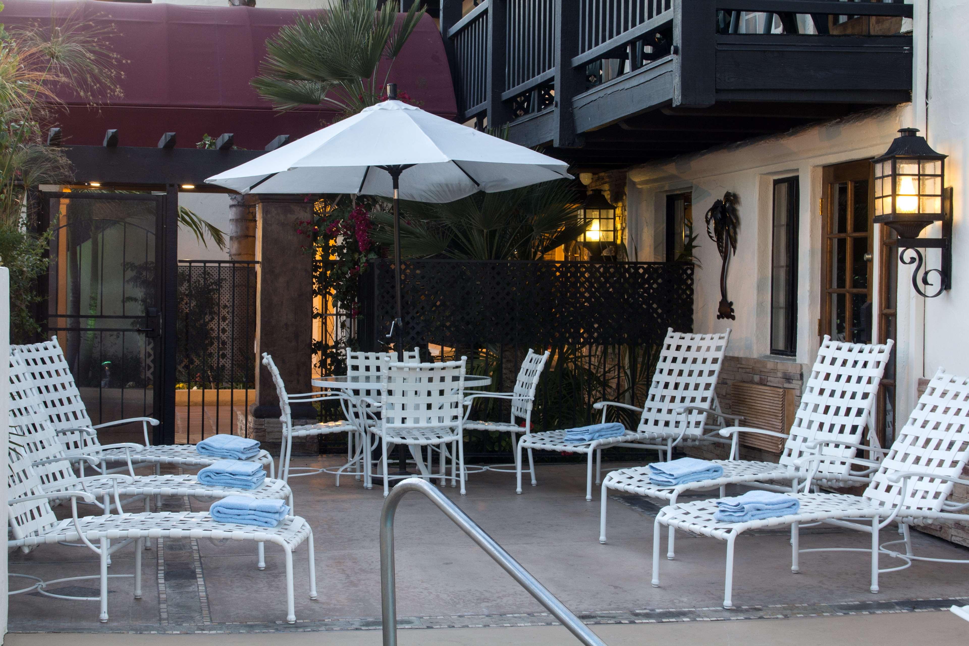 Best Western Plus Carpinteria Inn image 21
