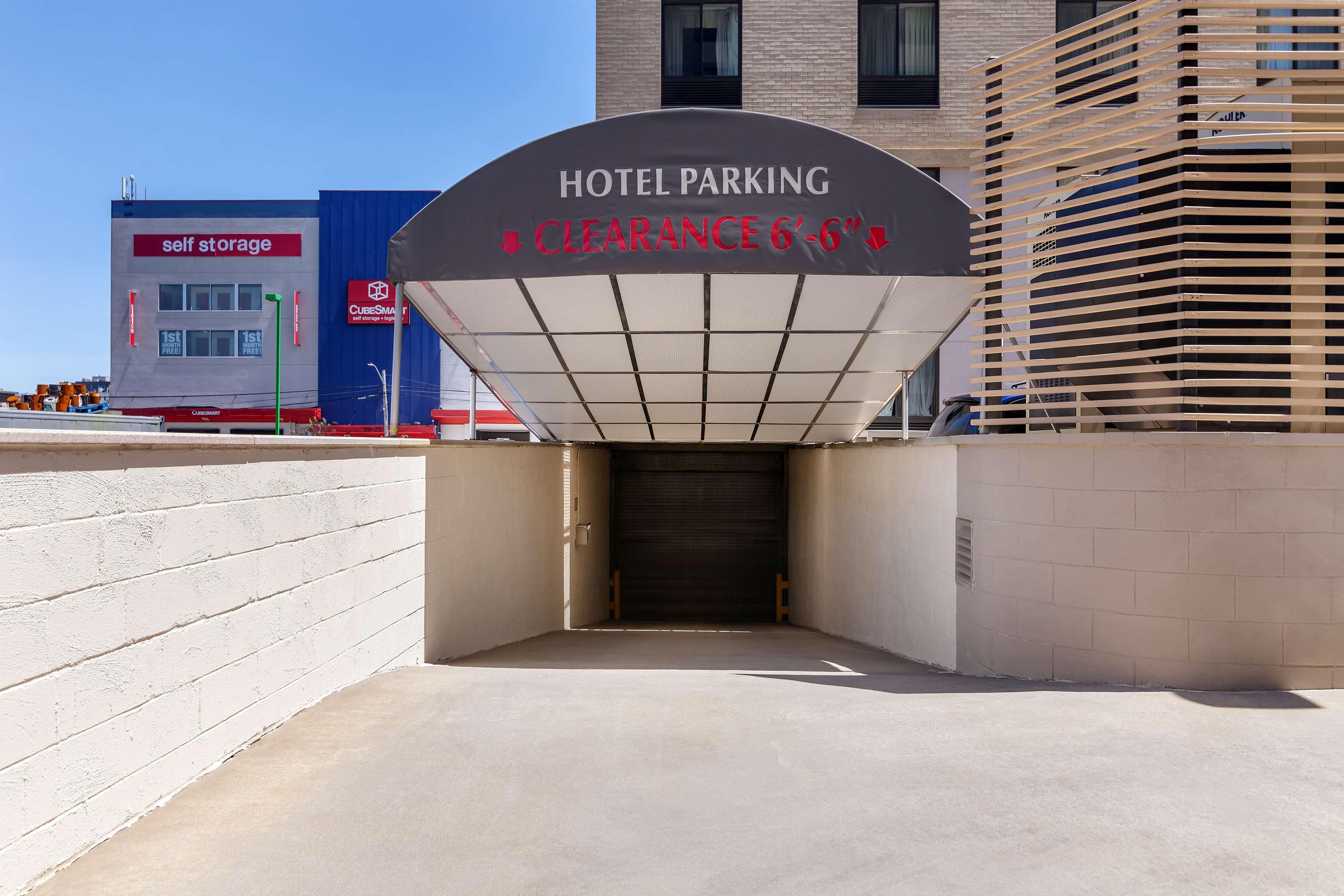 Best Western Plus Plaza Hotel image 4