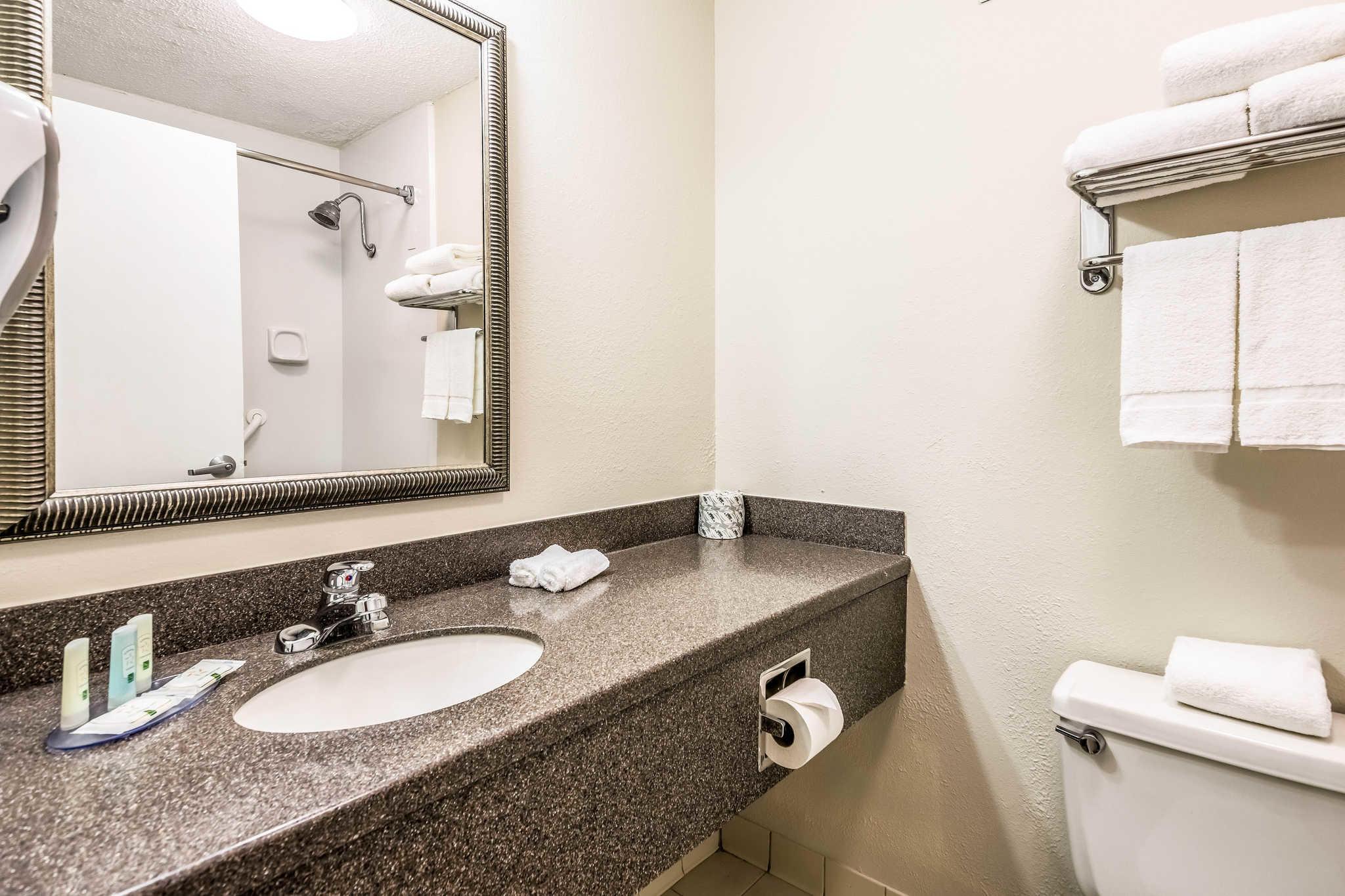 Quality Inn near Finger Lakes and Seneca Falls image 16