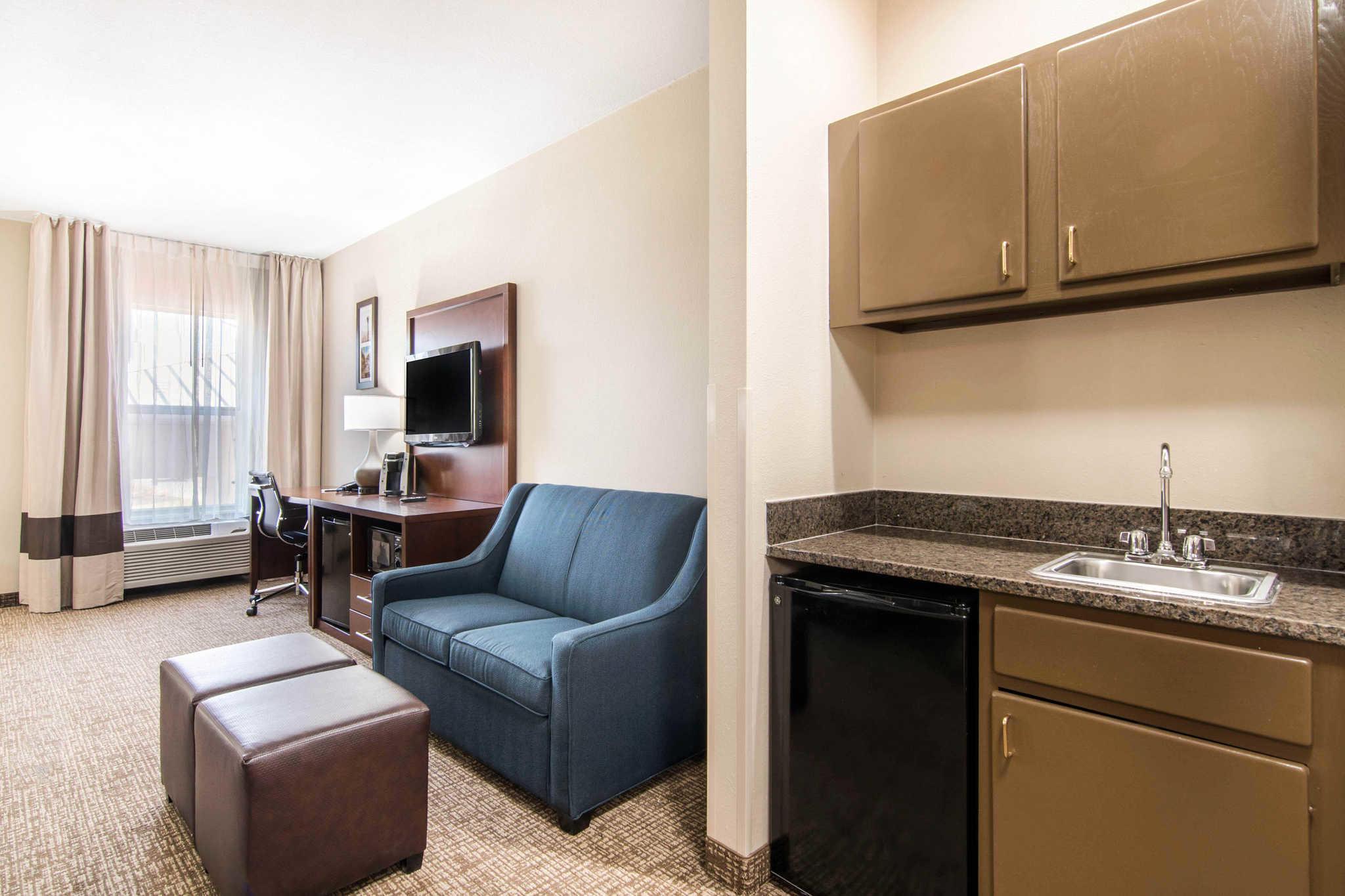 Comfort Inn & Suites Junction City - near Fort Riley image 22
