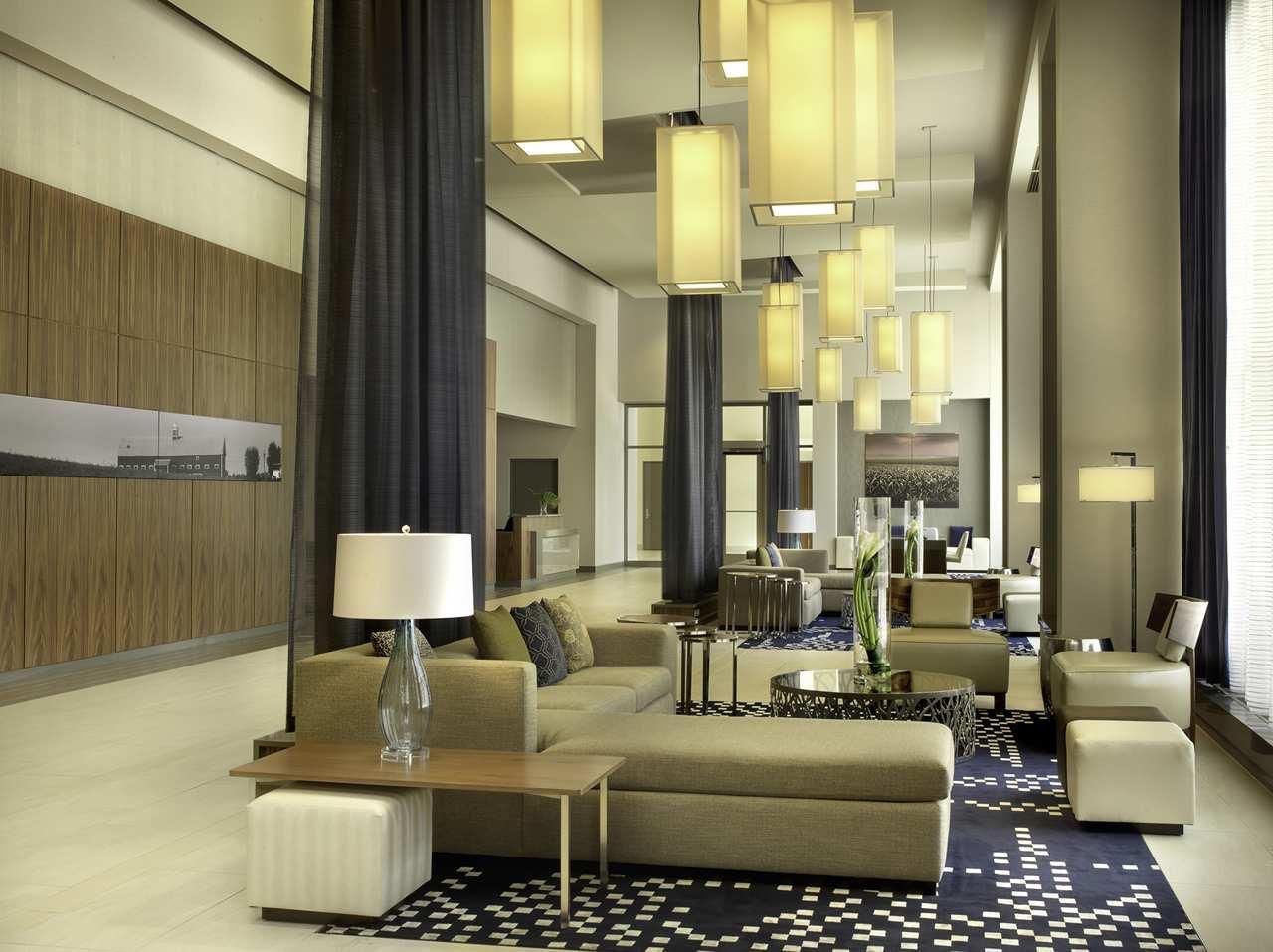 DoubleTree by Hilton Hotel Cedar Rapids Convention Complex image 3
