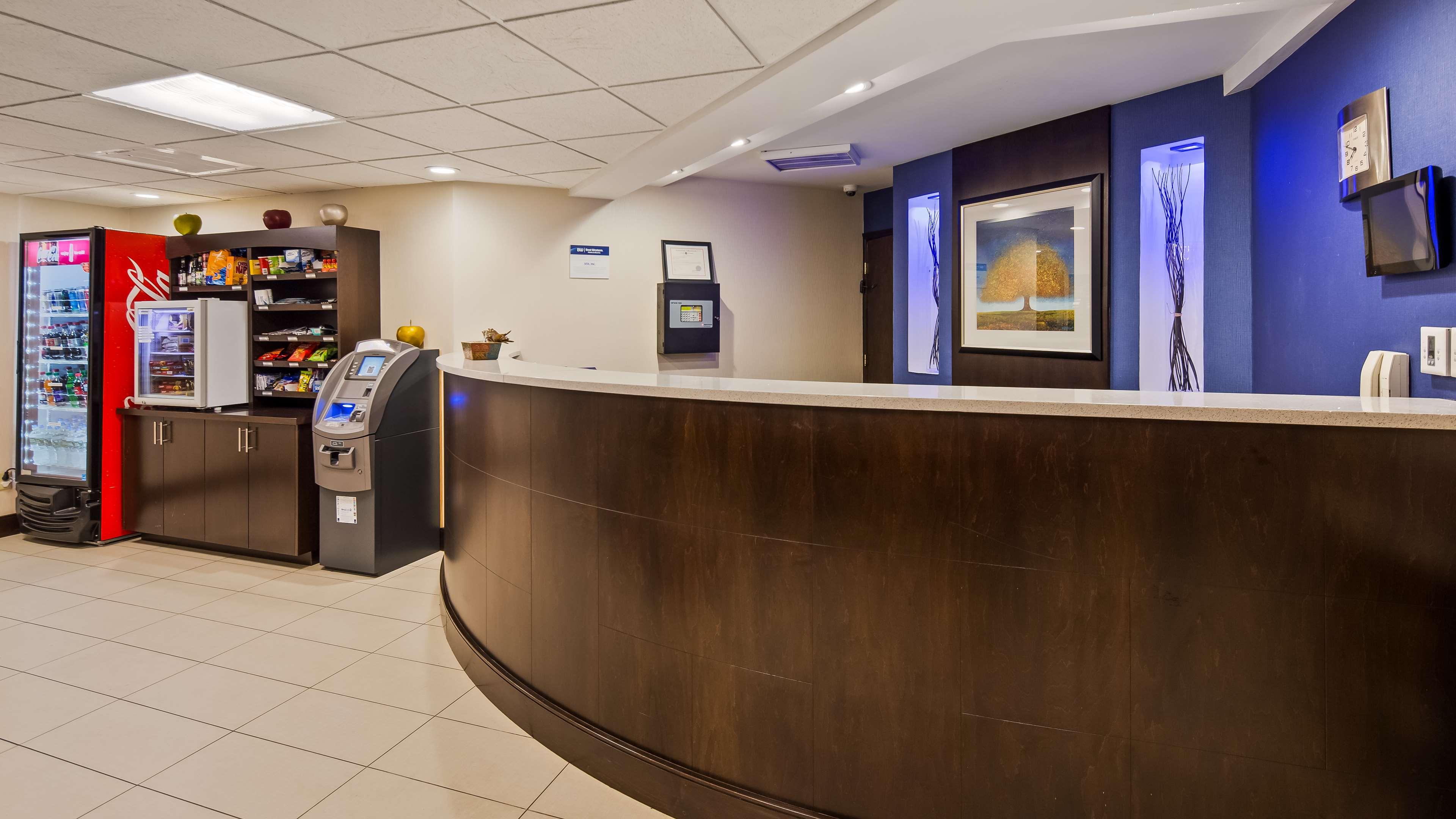 Best Western Plus Berkshire Hills Inn & Suites image 3