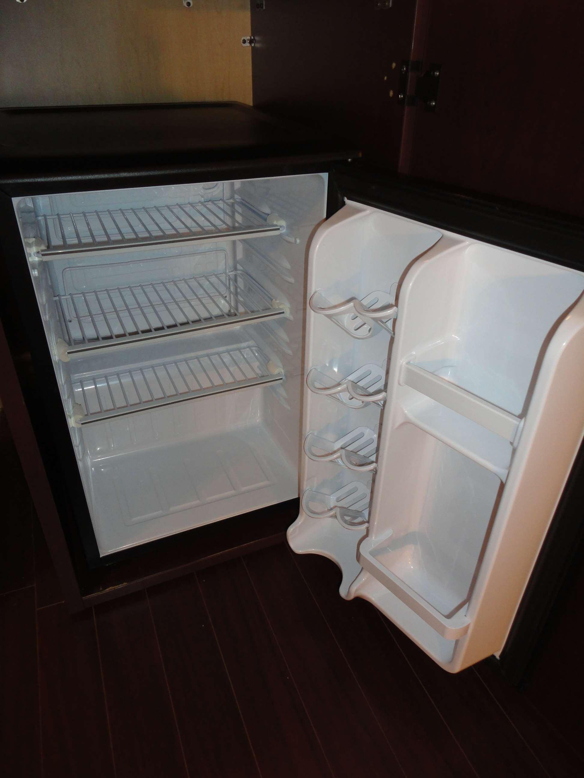 Best Western Laval-Montreal à Laval: Mini Refrigerator
