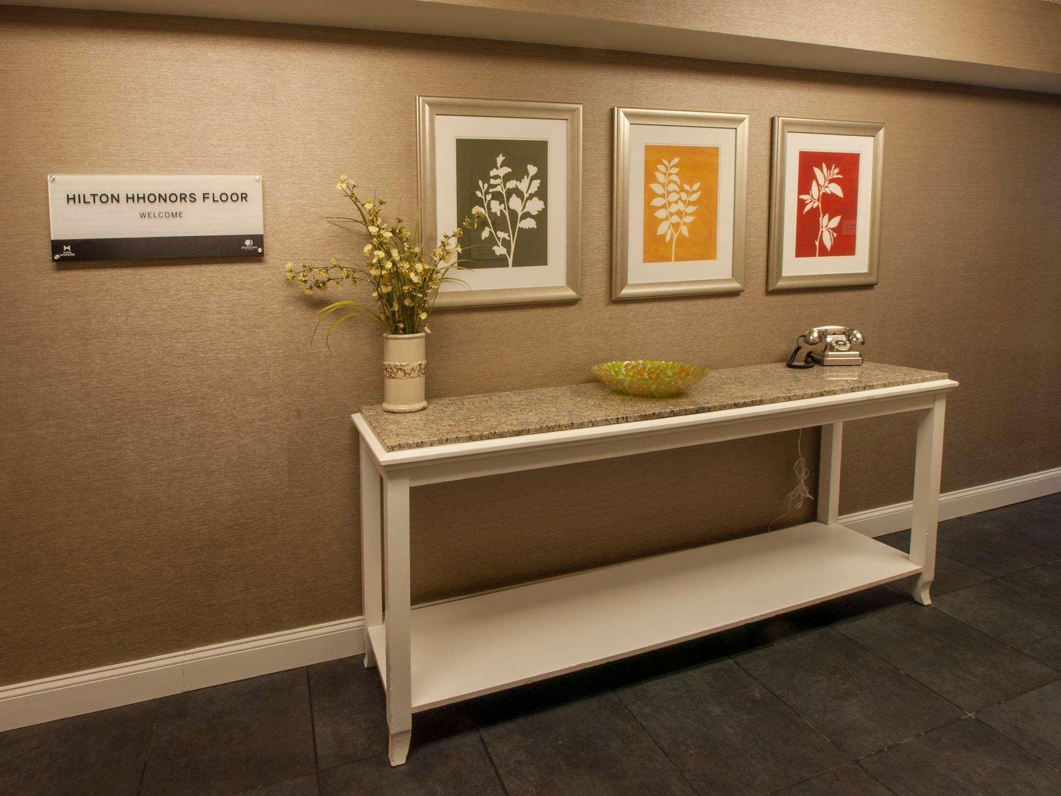 DoubleTree by Hilton Hotel Buffalo - Amherst image 11