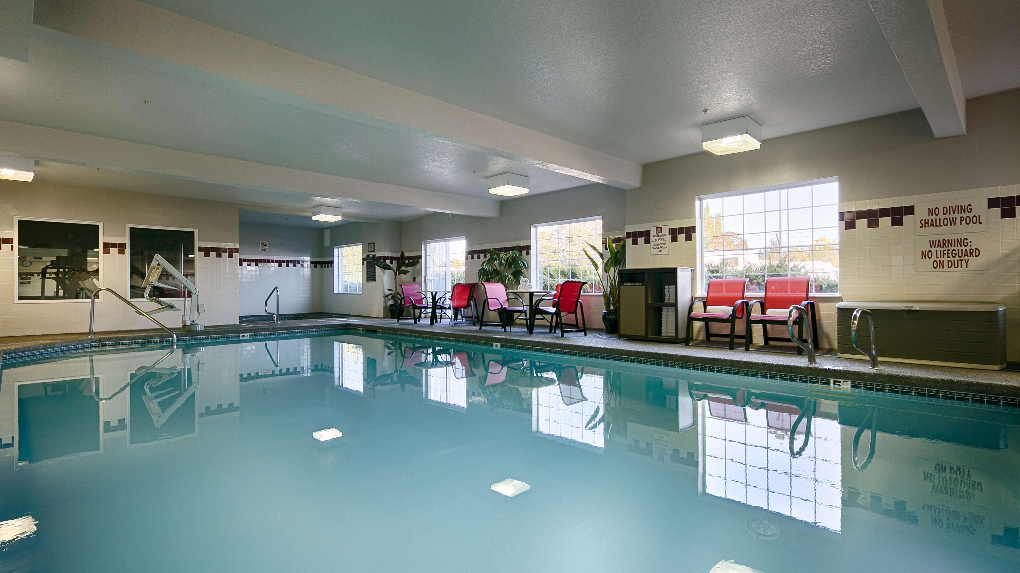 Best Western Plus Park Place Inn & Suites image 3