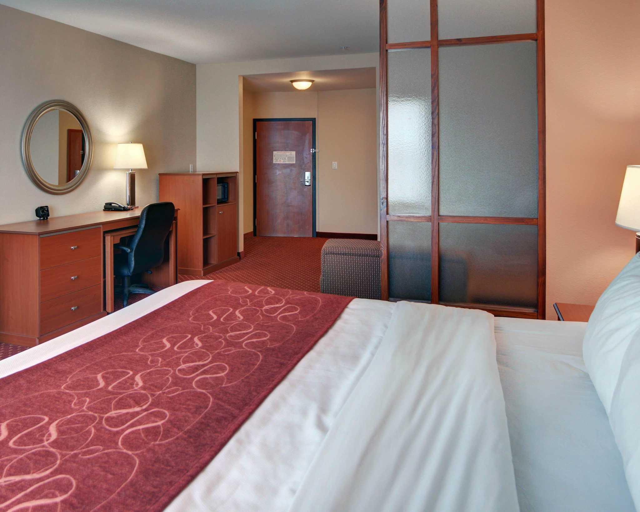 Comfort Suites Near Cedar Creek Lake image 26