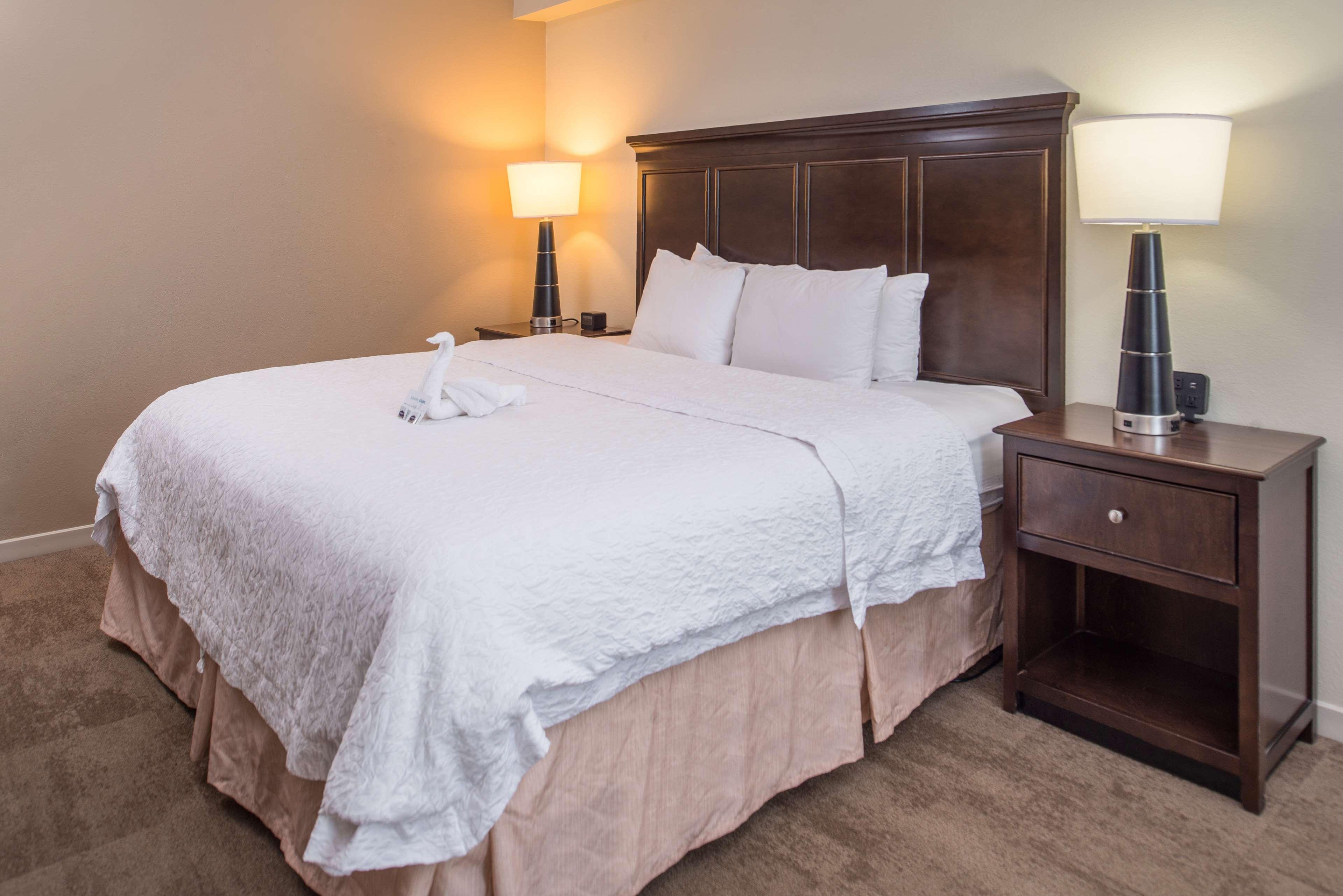 Hampton Inn & Suites Charlotte-Arrowood Rd. image 31