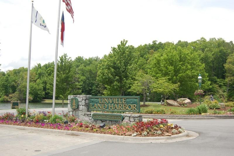Linville Area Mountain Properties has been selling homes in Linville Land Harbor since 1969.  We have the mountain home for you whether you are looking for under $100,000, mid $100,000's, $200,000's o