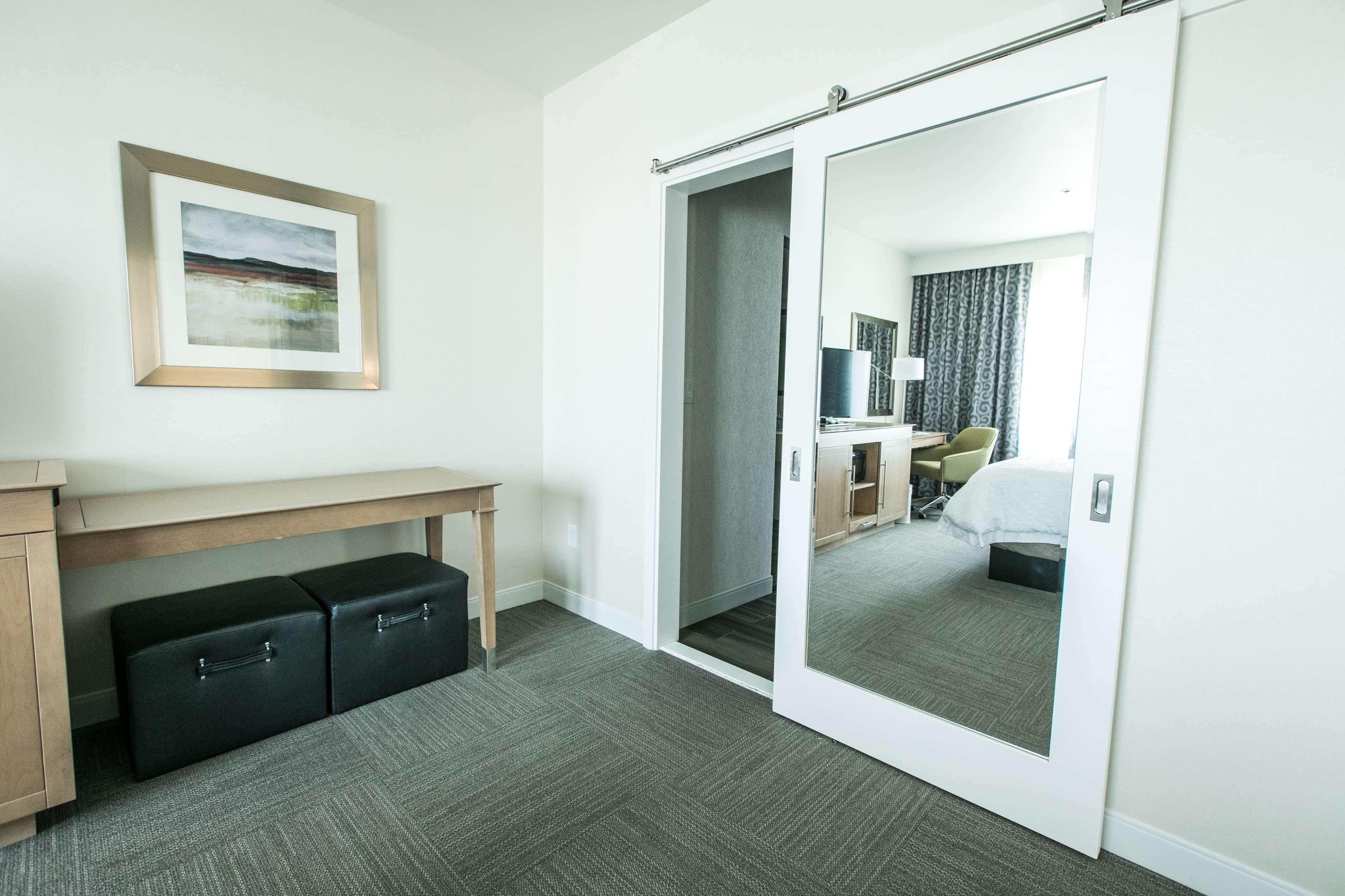 Hampton Inn & Suites Tempe - Phoenix Airport image 33