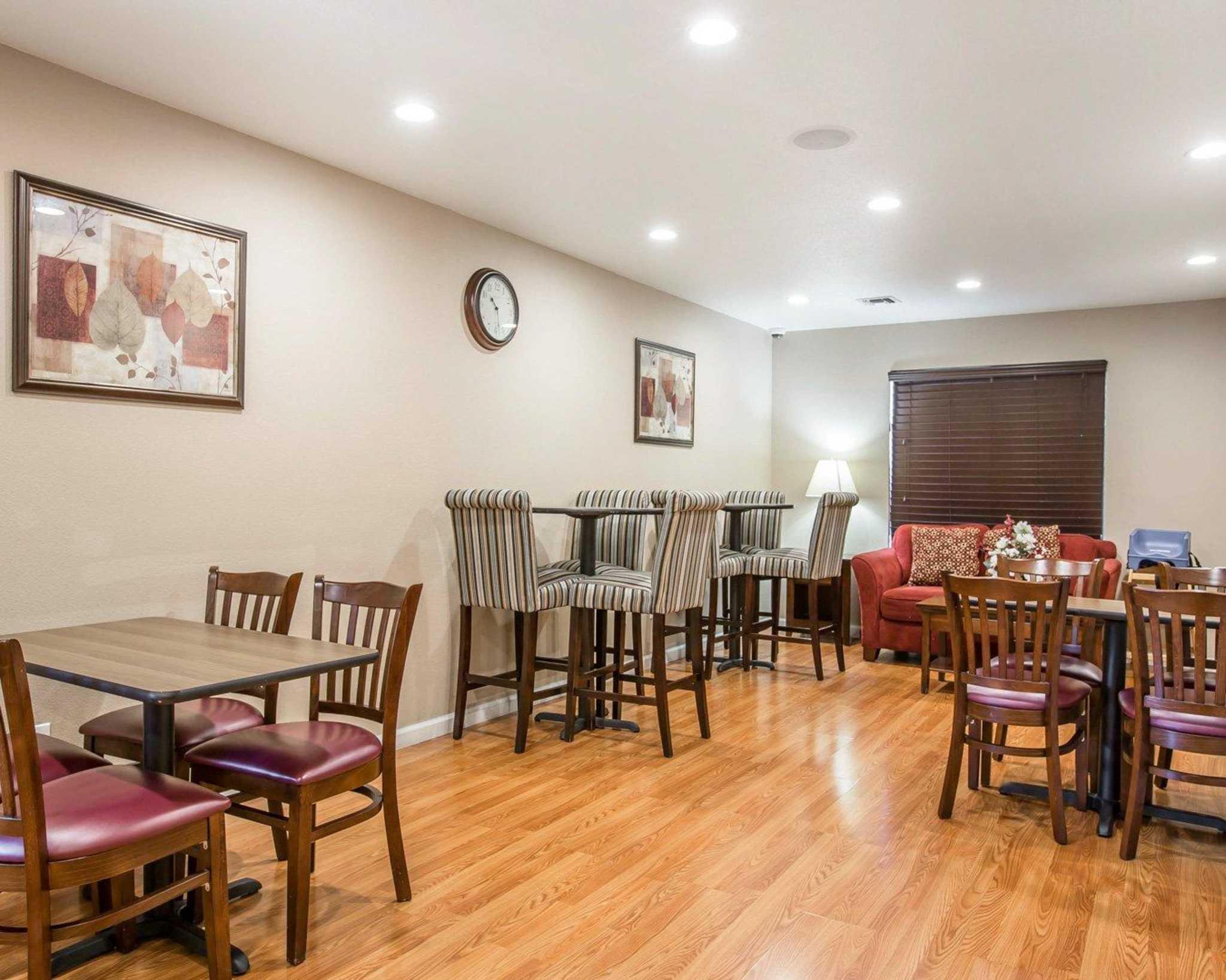 Quality Inn & Suites Woodland - Sacramento Airport image 23