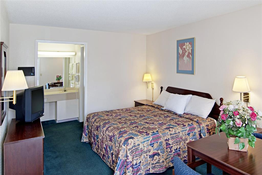 Americas Best Value Inn - Buford/Mall of Georgia image 4