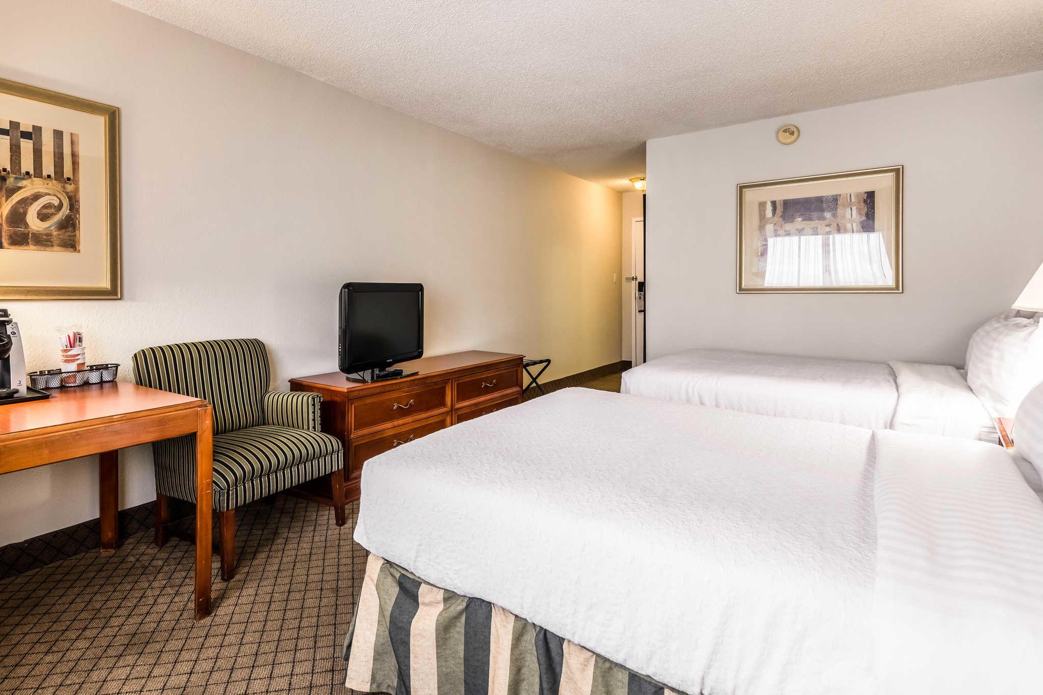 Quality Inn near Finger Lakes and Seneca Falls image 8