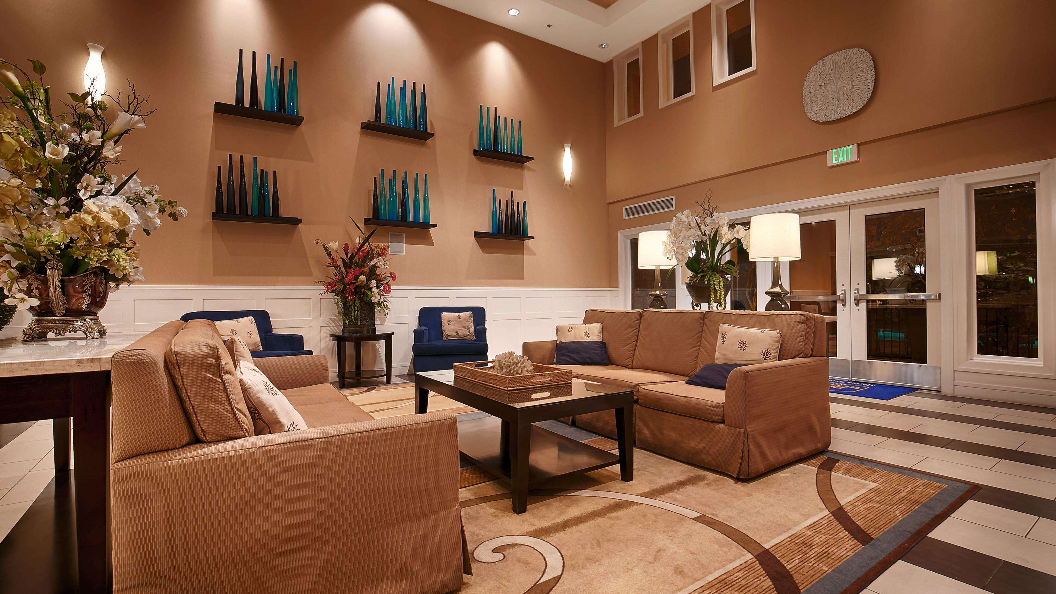 Best Western Plus Marina Gateway Hotel image 4