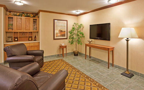 Candlewood Suites Junction City/Ft. Riley image 1