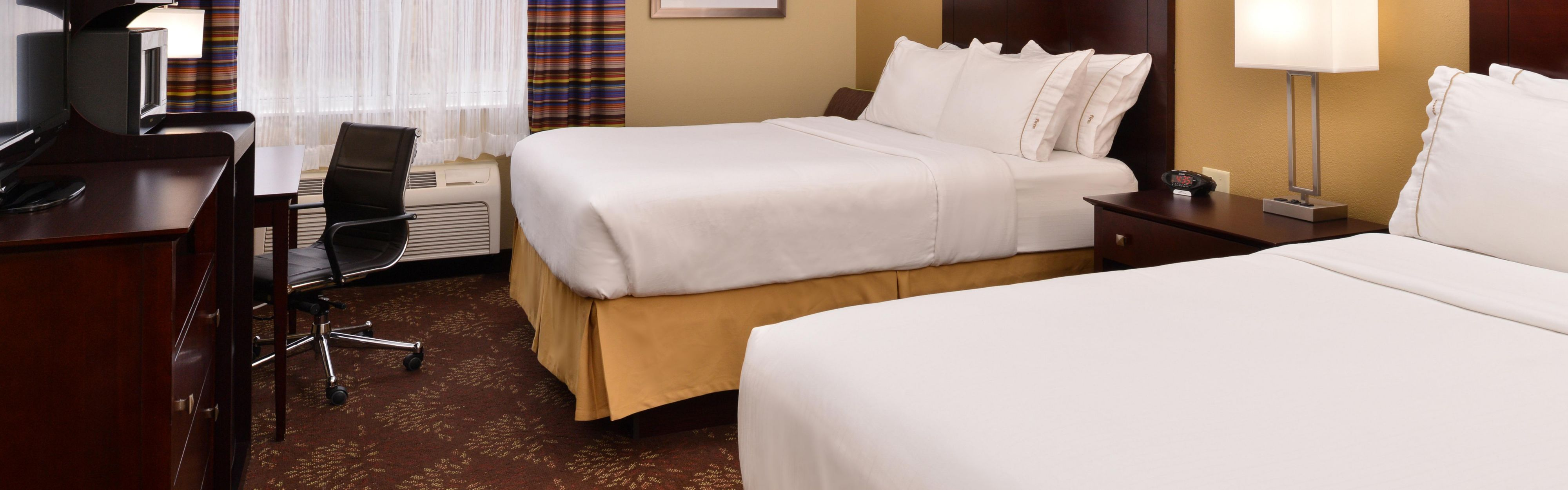 Holiday Inn Express Cincinnati-N/Sharonville image 1