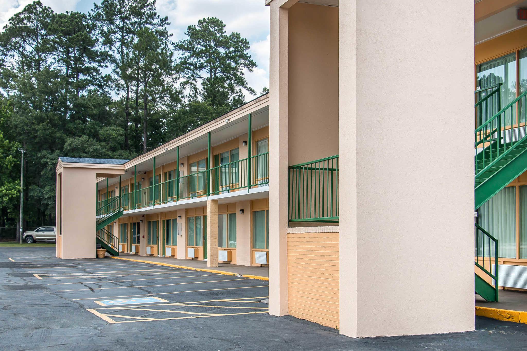 Quality Inn Hinesville - Fort Stewart Area image 2