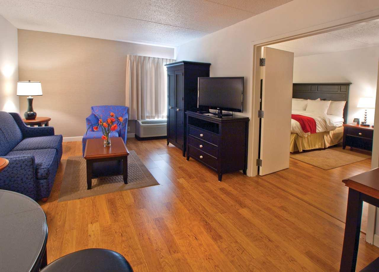 DoubleTree by Hilton Hotel Buffalo - Amherst image 5