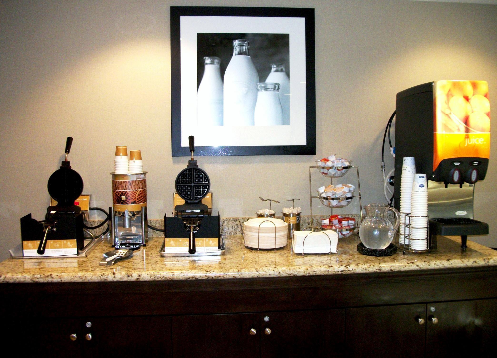Hampton Inn & Suites Manteca image 31