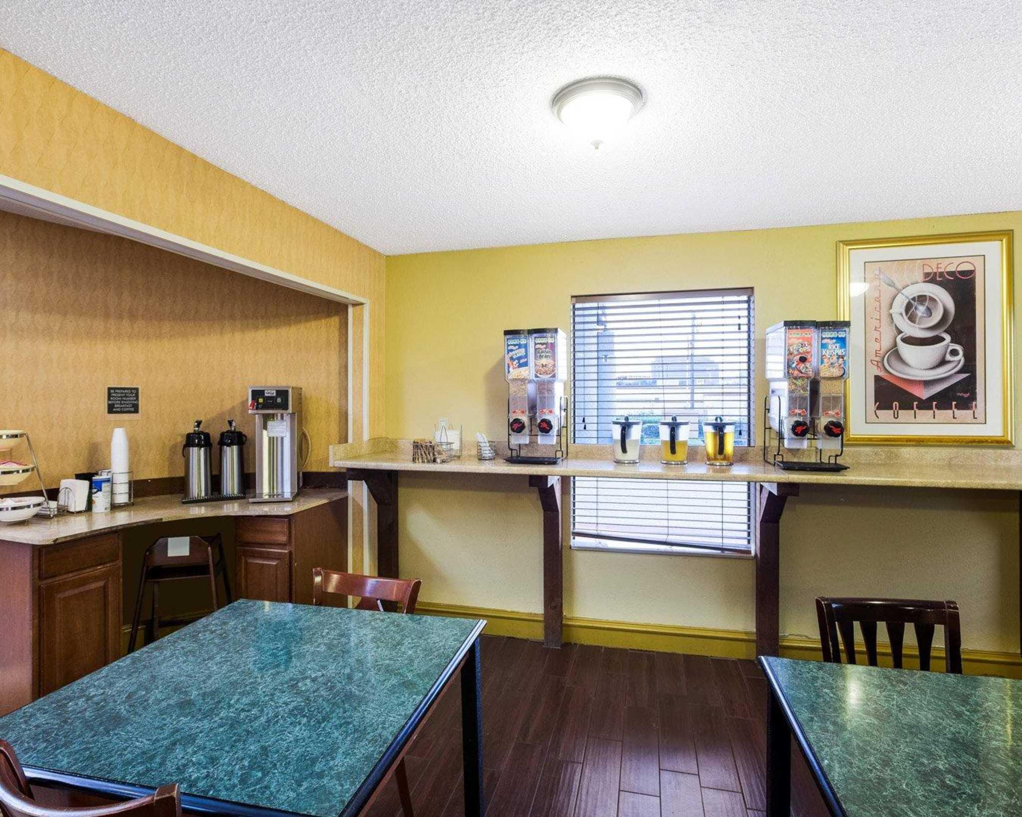 Rodeway Inn & Suites Fiesta Park image 31