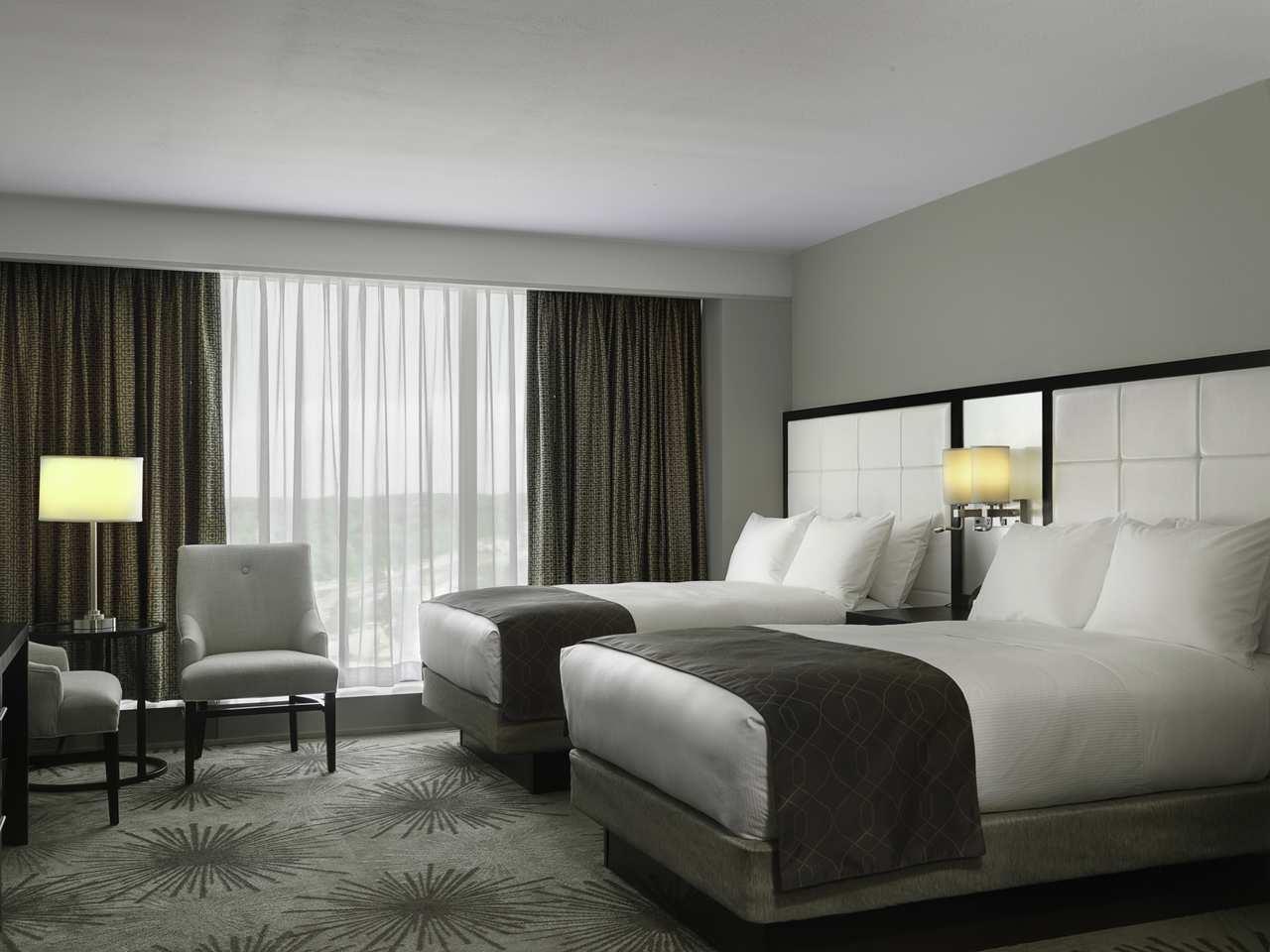 DoubleTree by Hilton Hotel Cedar Rapids Convention Complex image 19