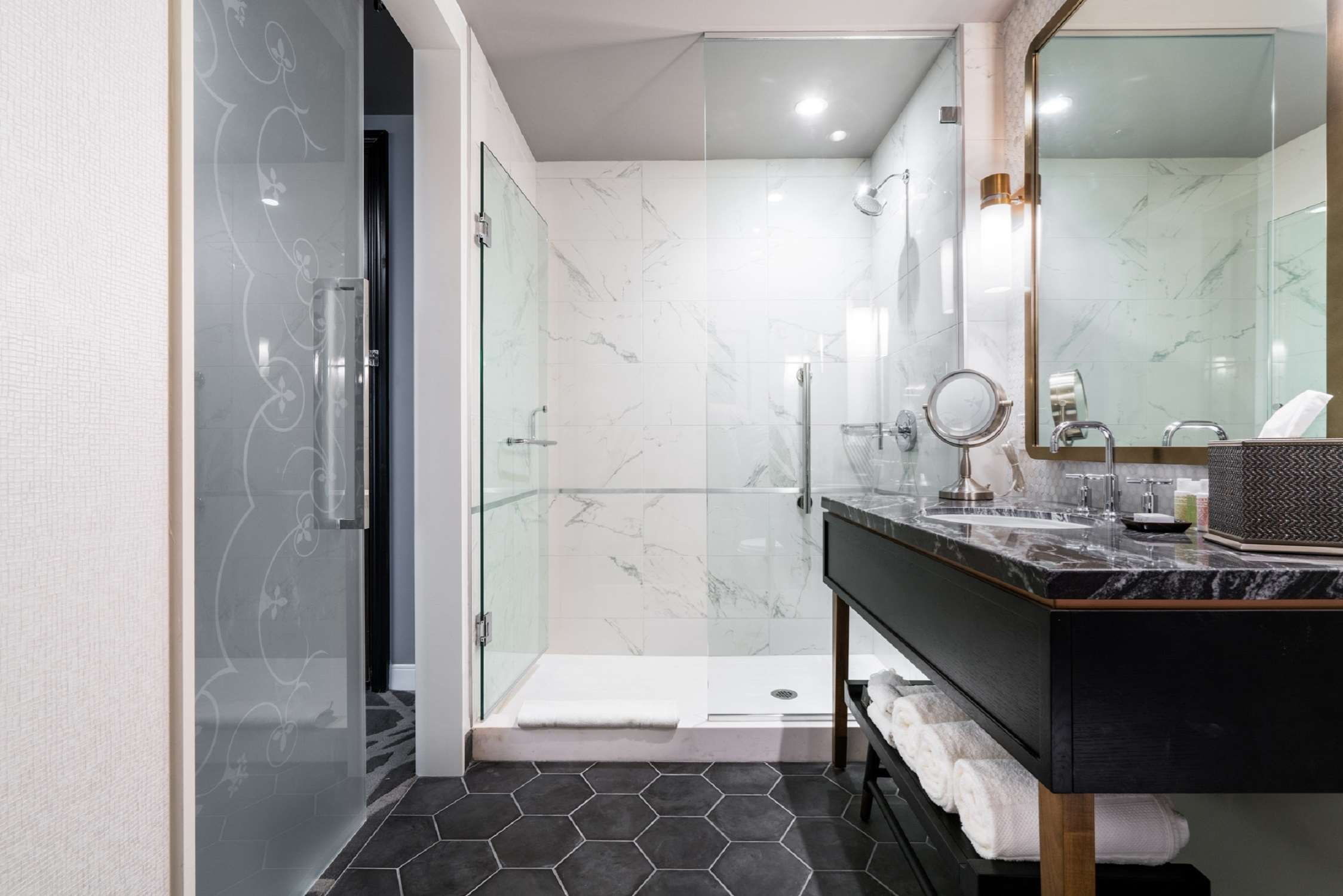 LondonHouse Chicago, Curio Collection by Hilton image 25