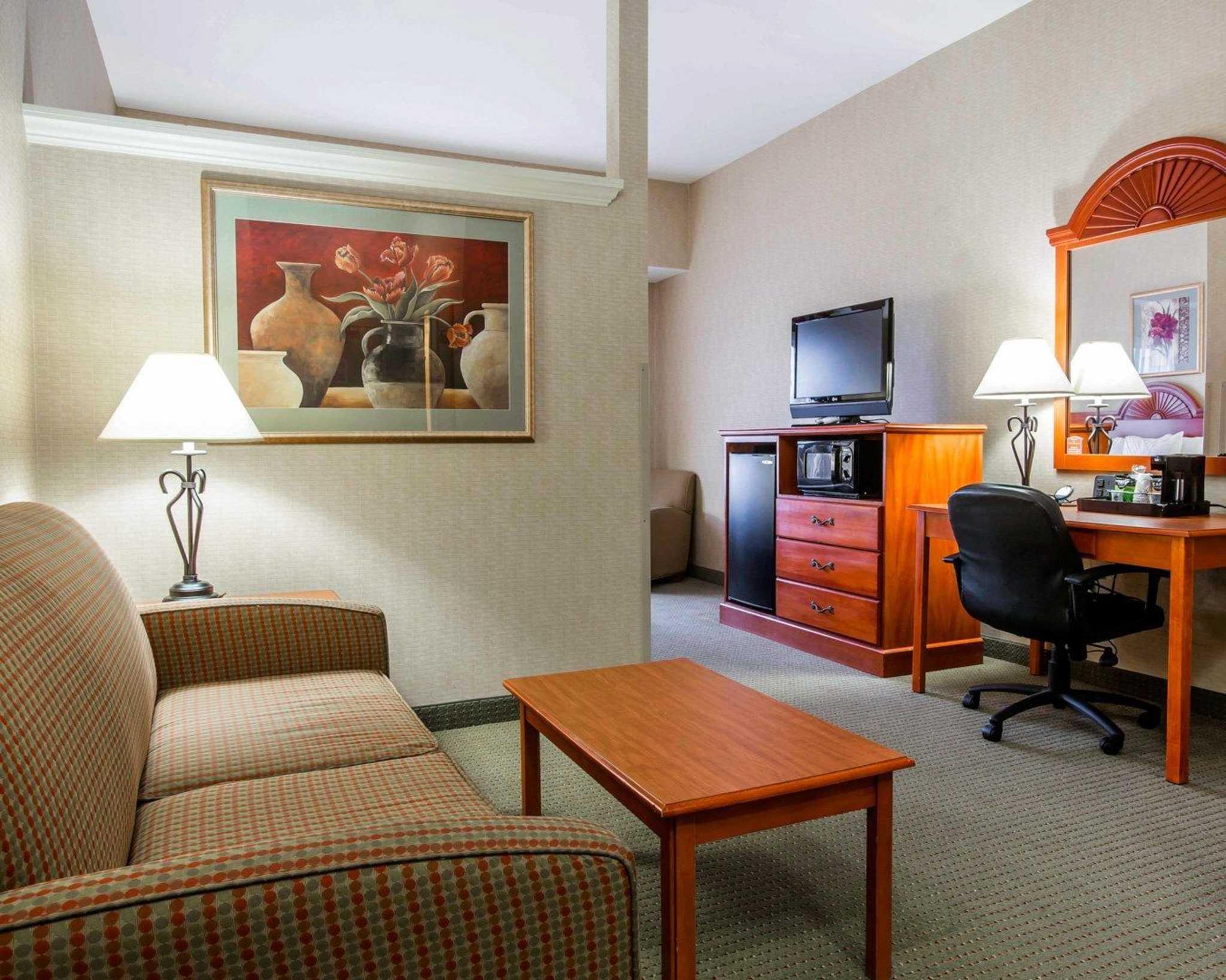 Comfort Inn & Suites adj to Akwesasne Mohawk Casino image 52