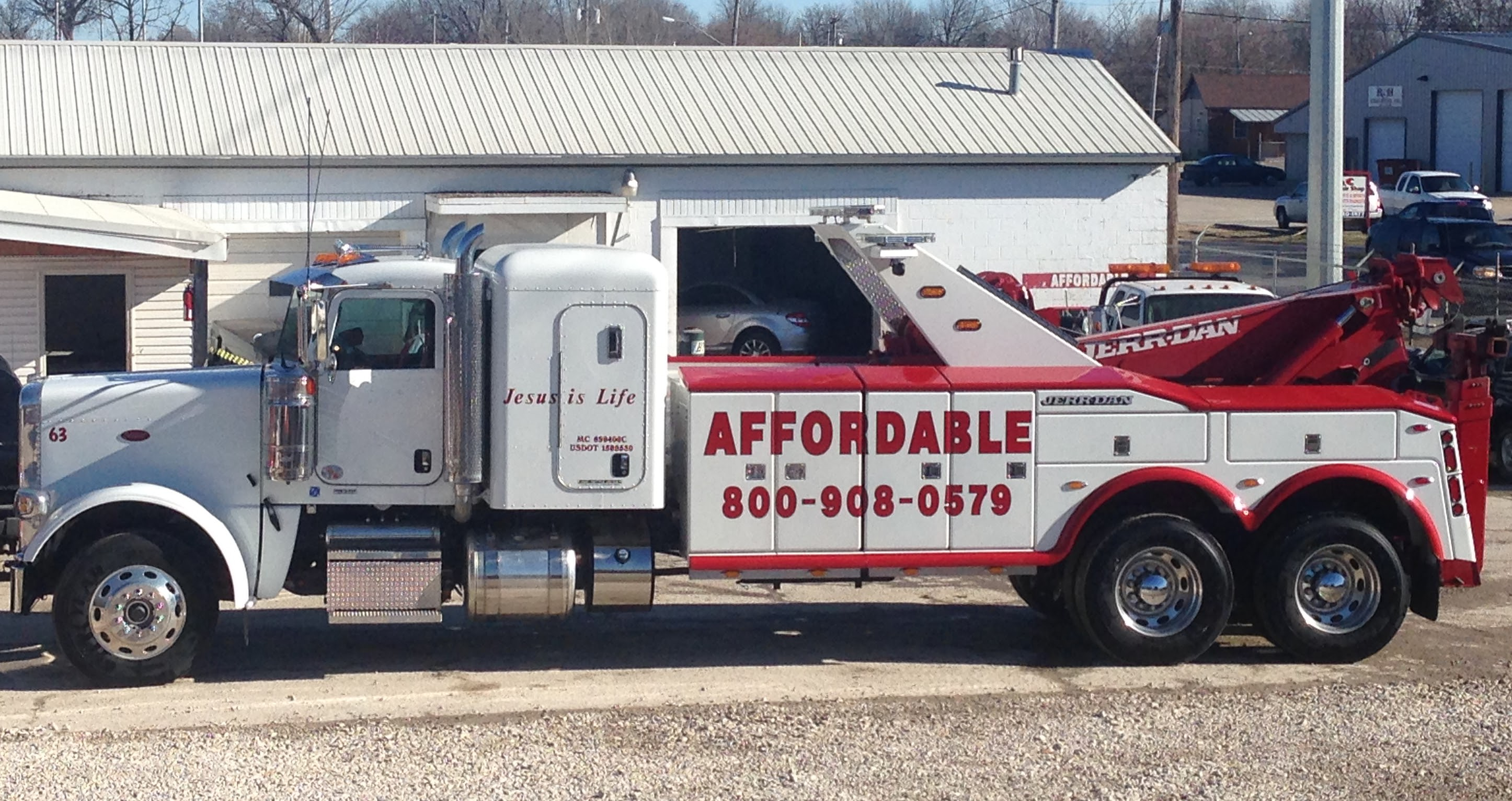 Affordable Towing image 5