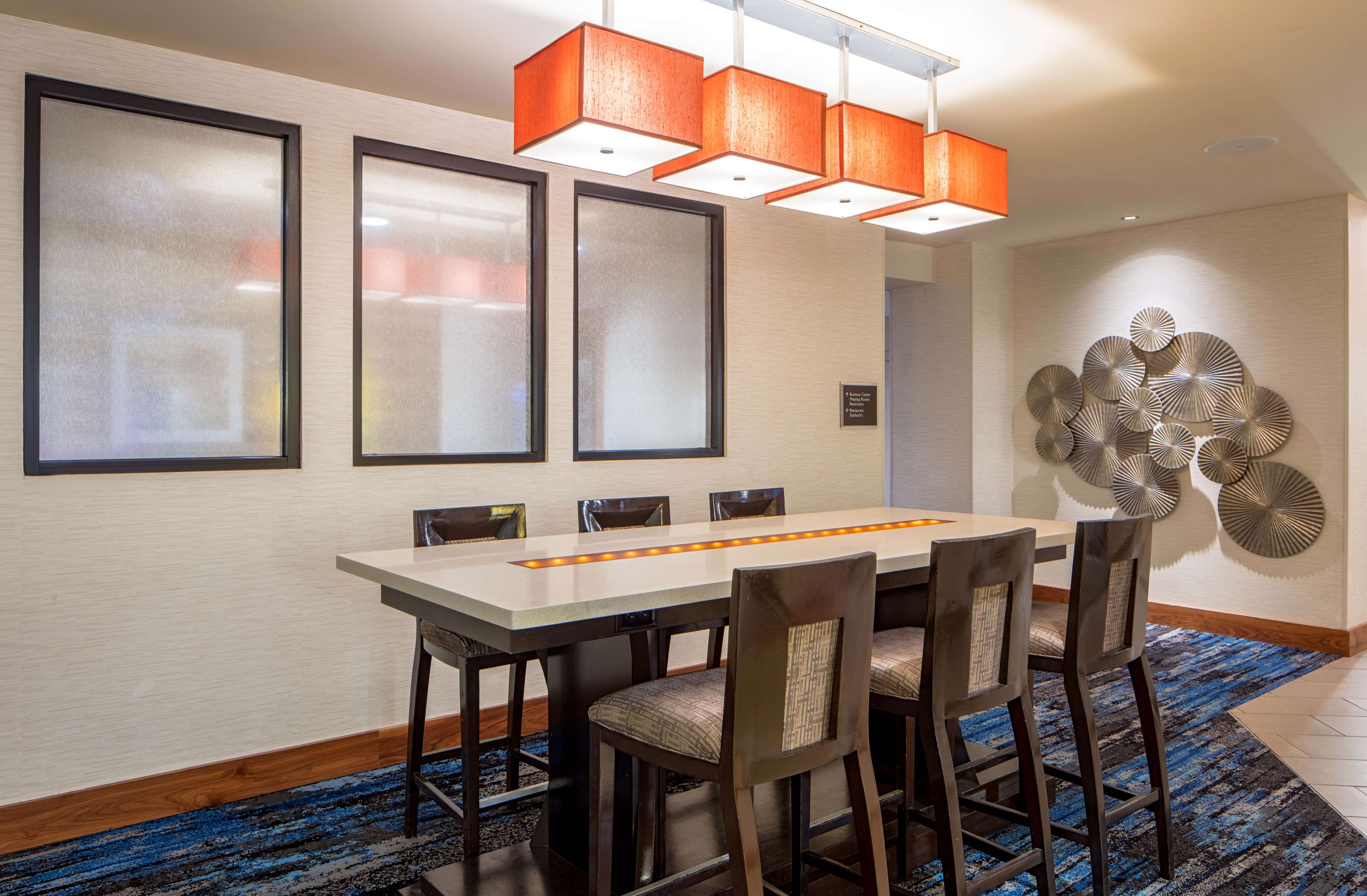 DoubleTree Suites by Hilton Hotel Minneapolis image 5