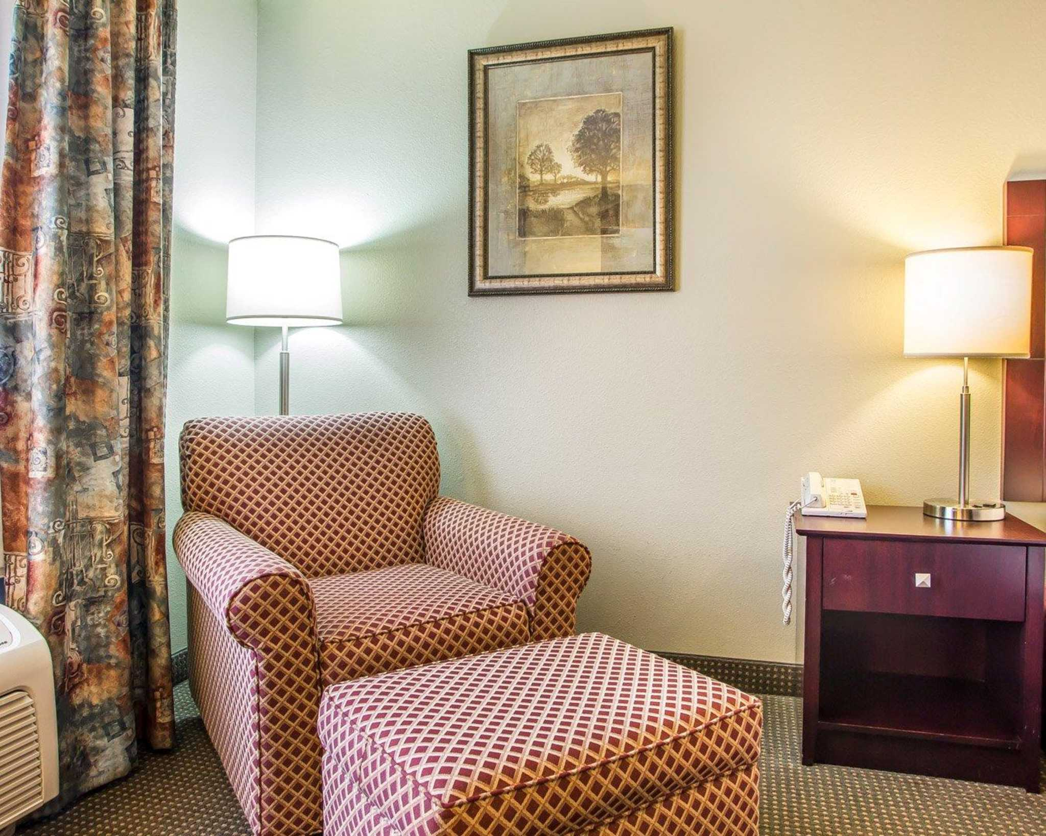 Quality Inn St. Robert - Ft. Leonard Wood image 8