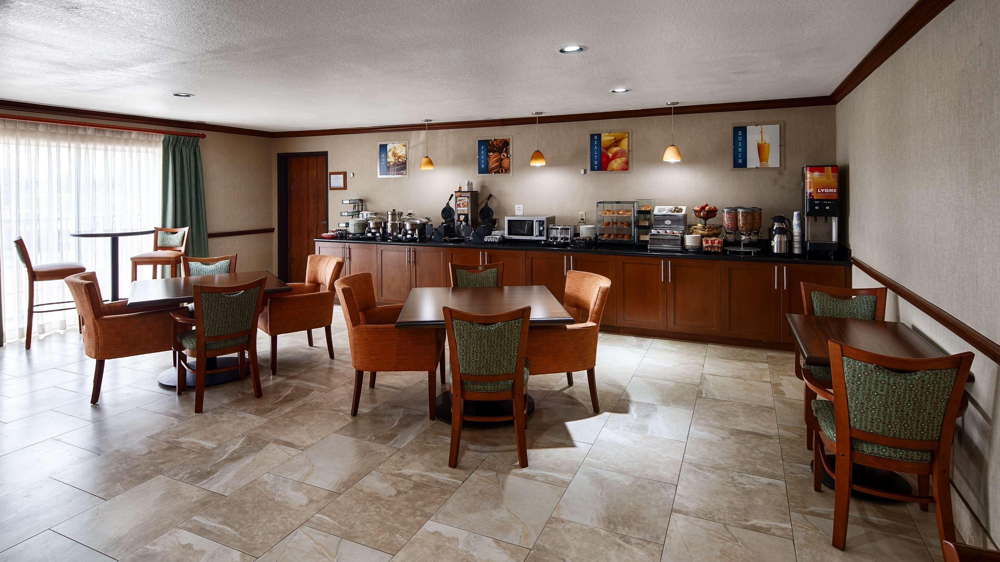 Best Western Plus Atrium Inn image 8