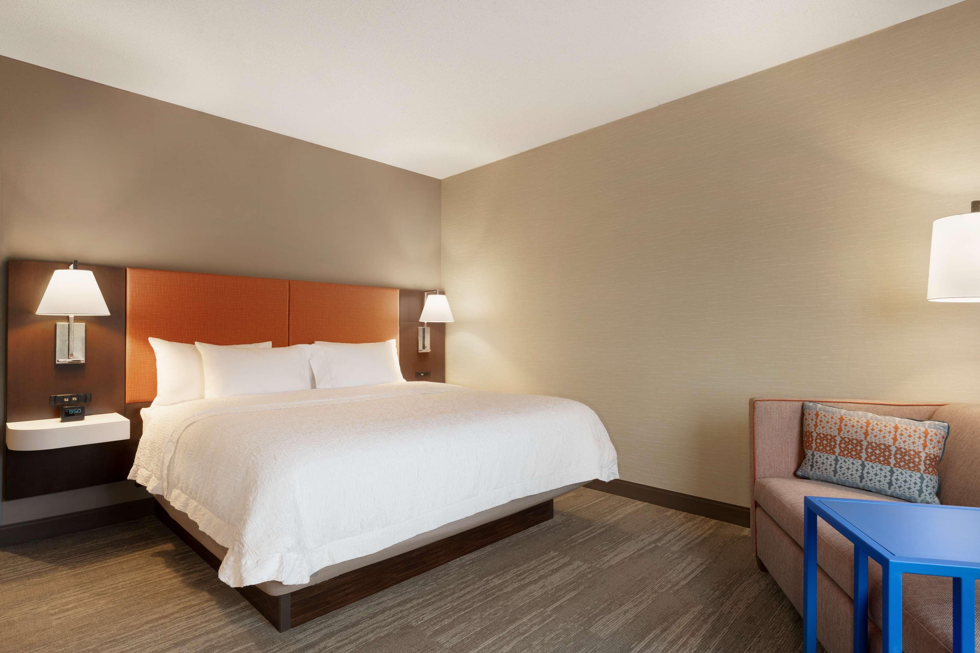 Hampton Inn & Suites Ephrata - Mountain Springs image 11