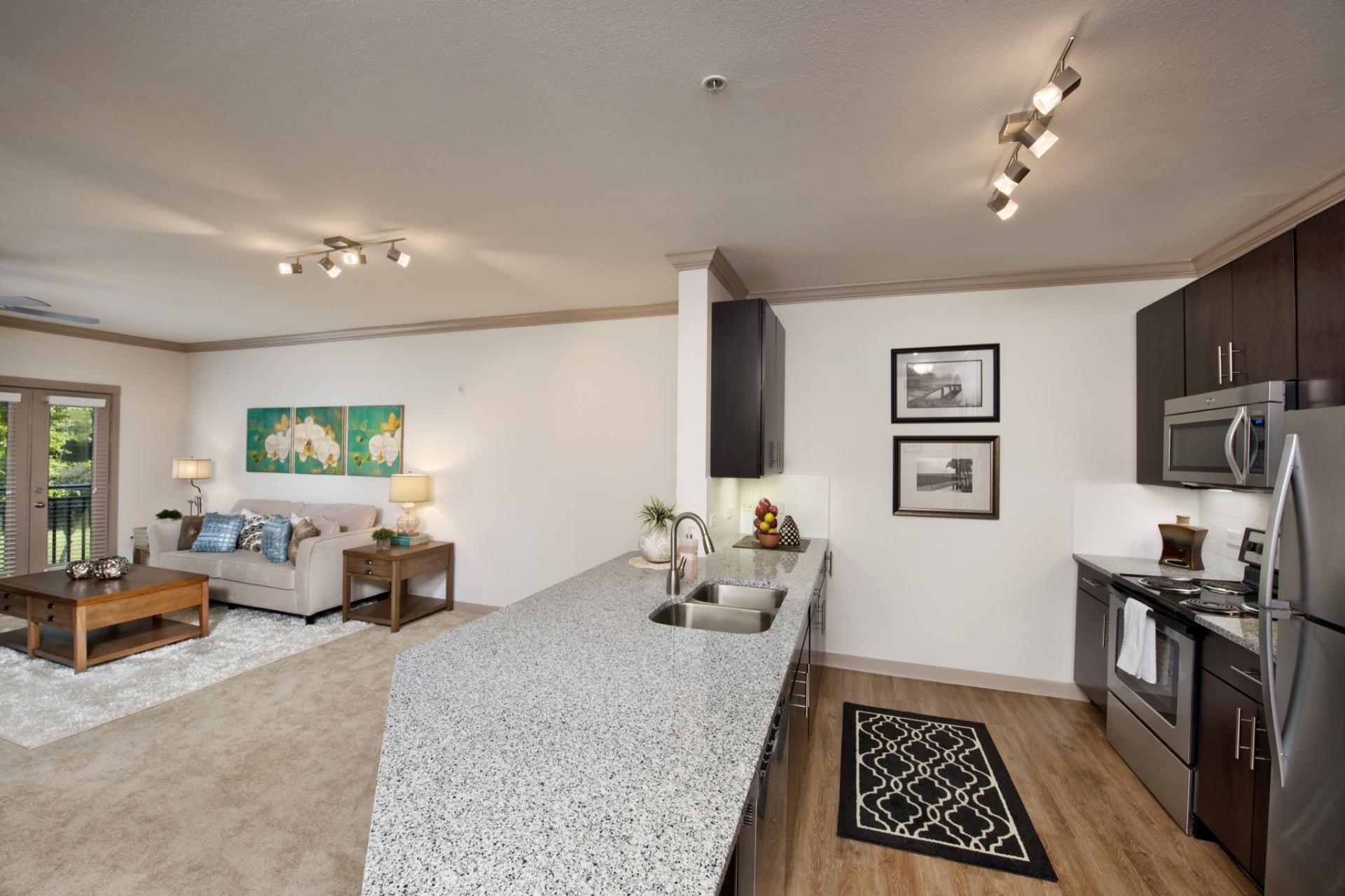 Camden Midtown Atlanta Apartments image 2