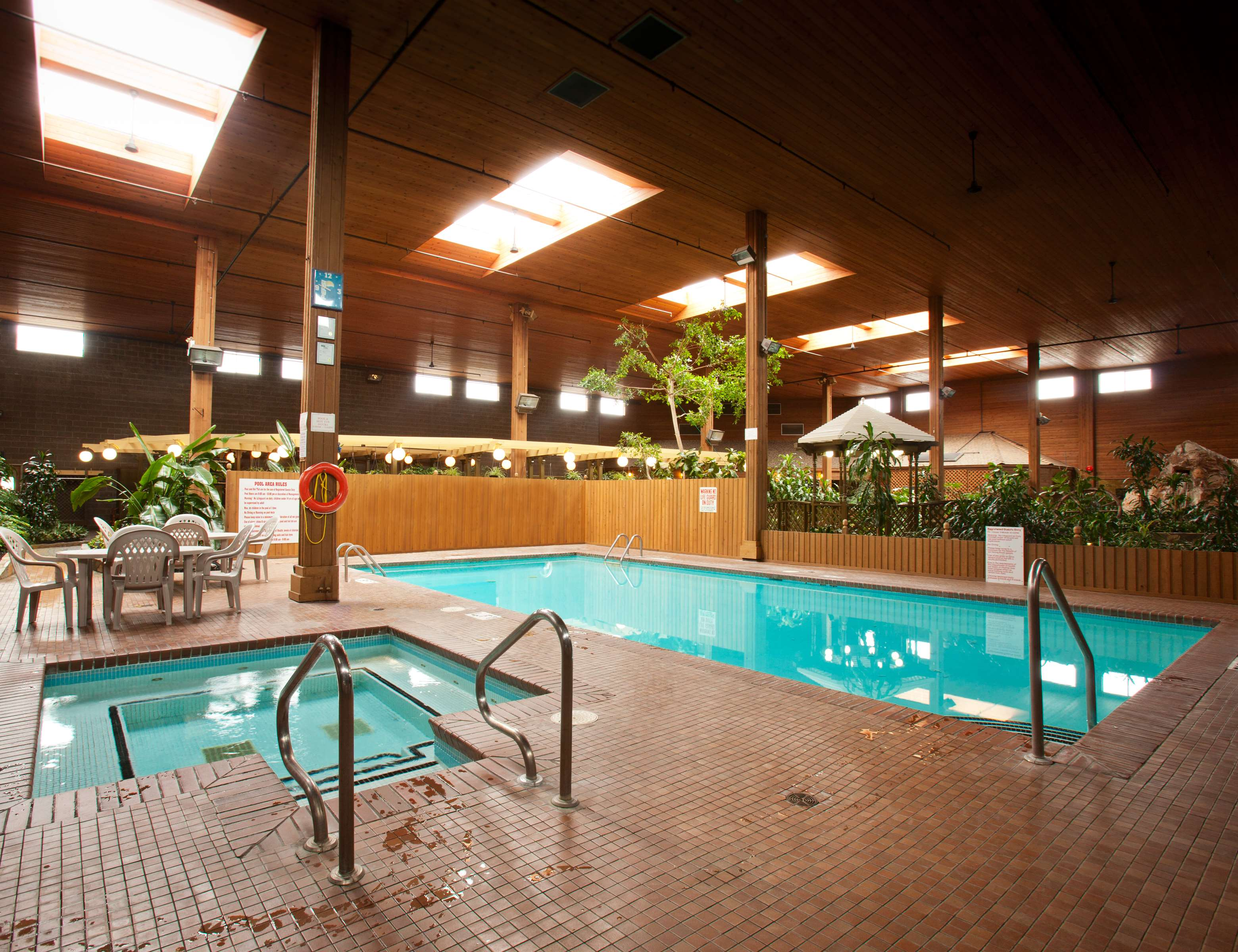 Best Western Rainbow Country Inn in Chilliwack: Indoor Pool and Hot Tub