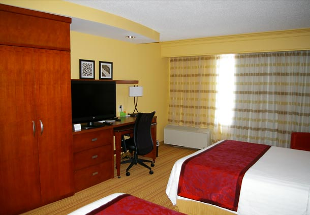 Courtyard by Marriott Danville image 3