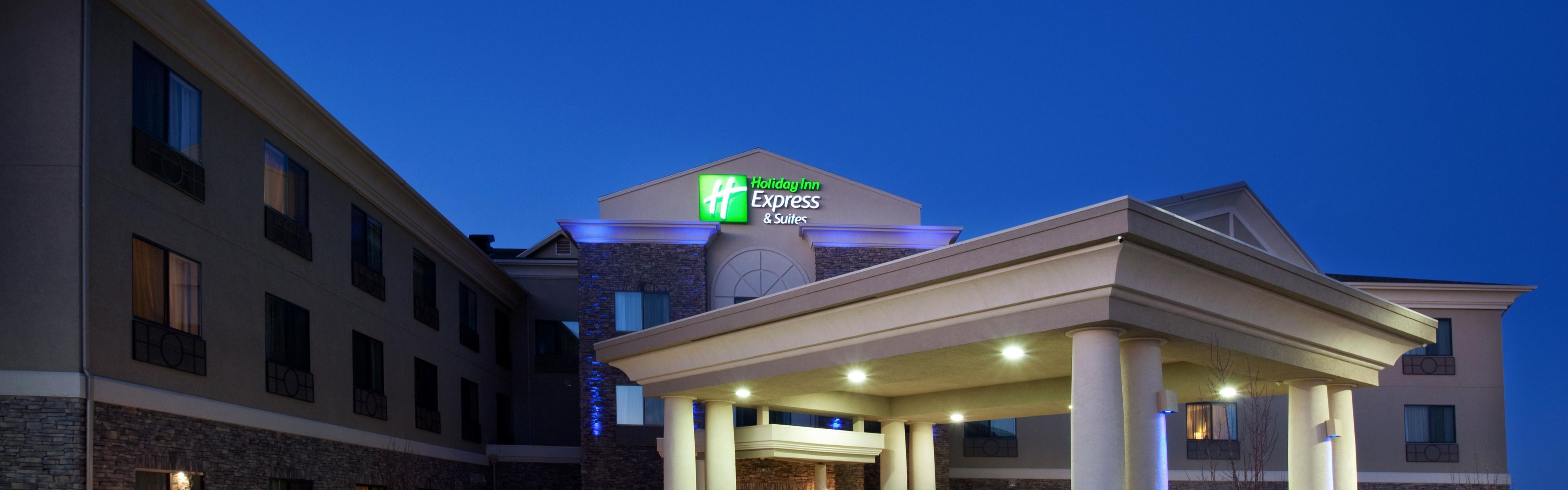 Holiday Inn Express & Suites Los Alamos Entrada Park image 0