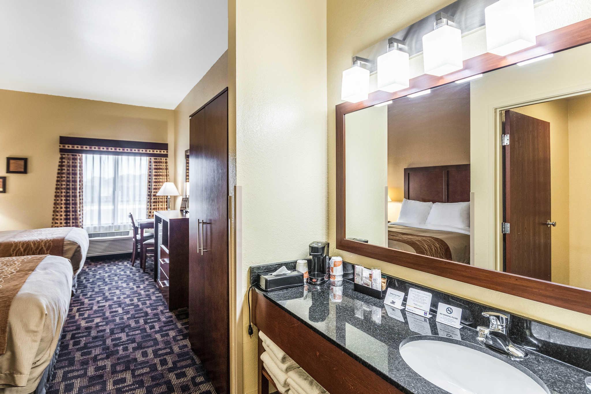 Comfort Inn & Suites North Aurora - Naperville image 16