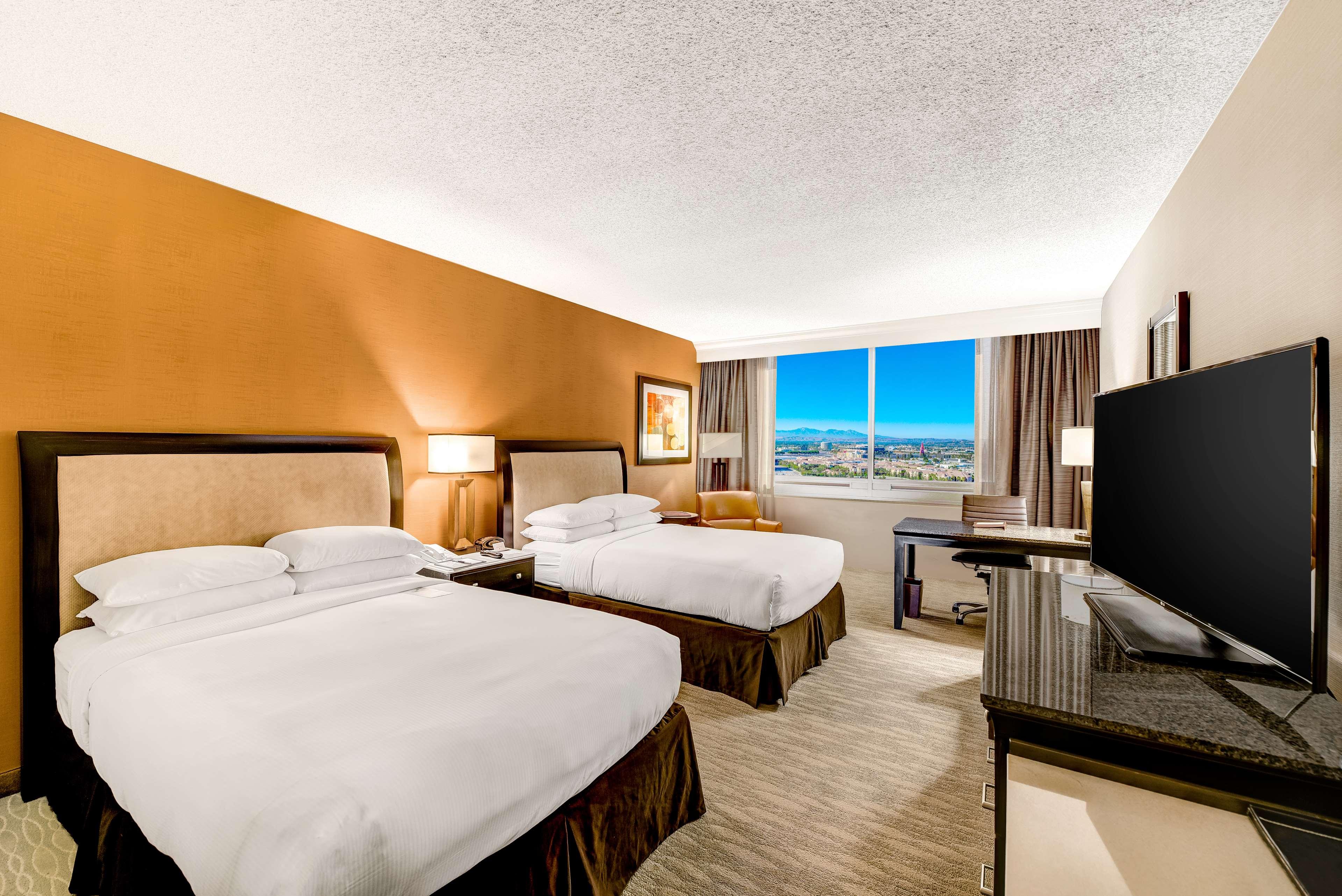 DoubleTree by Hilton Hotel Anaheim - Orange County image 42