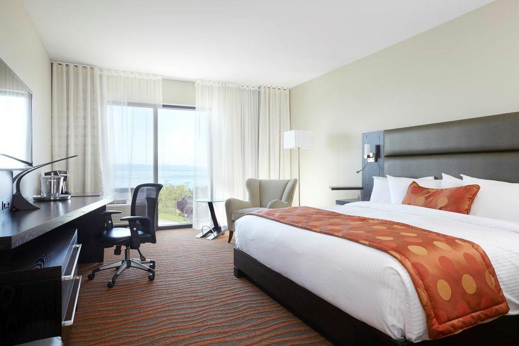 Best Western Plus Hotel Levesque à Riviere-du-Loup: Aqua King with River View