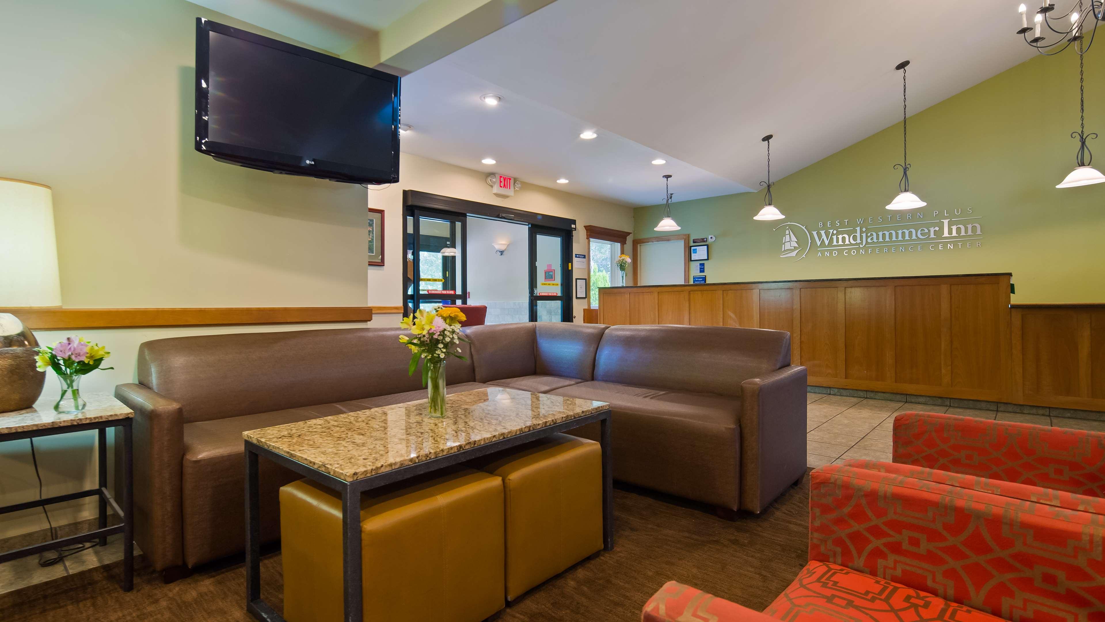 Best Western Plus Windjammer Inn & Conference Center image 1