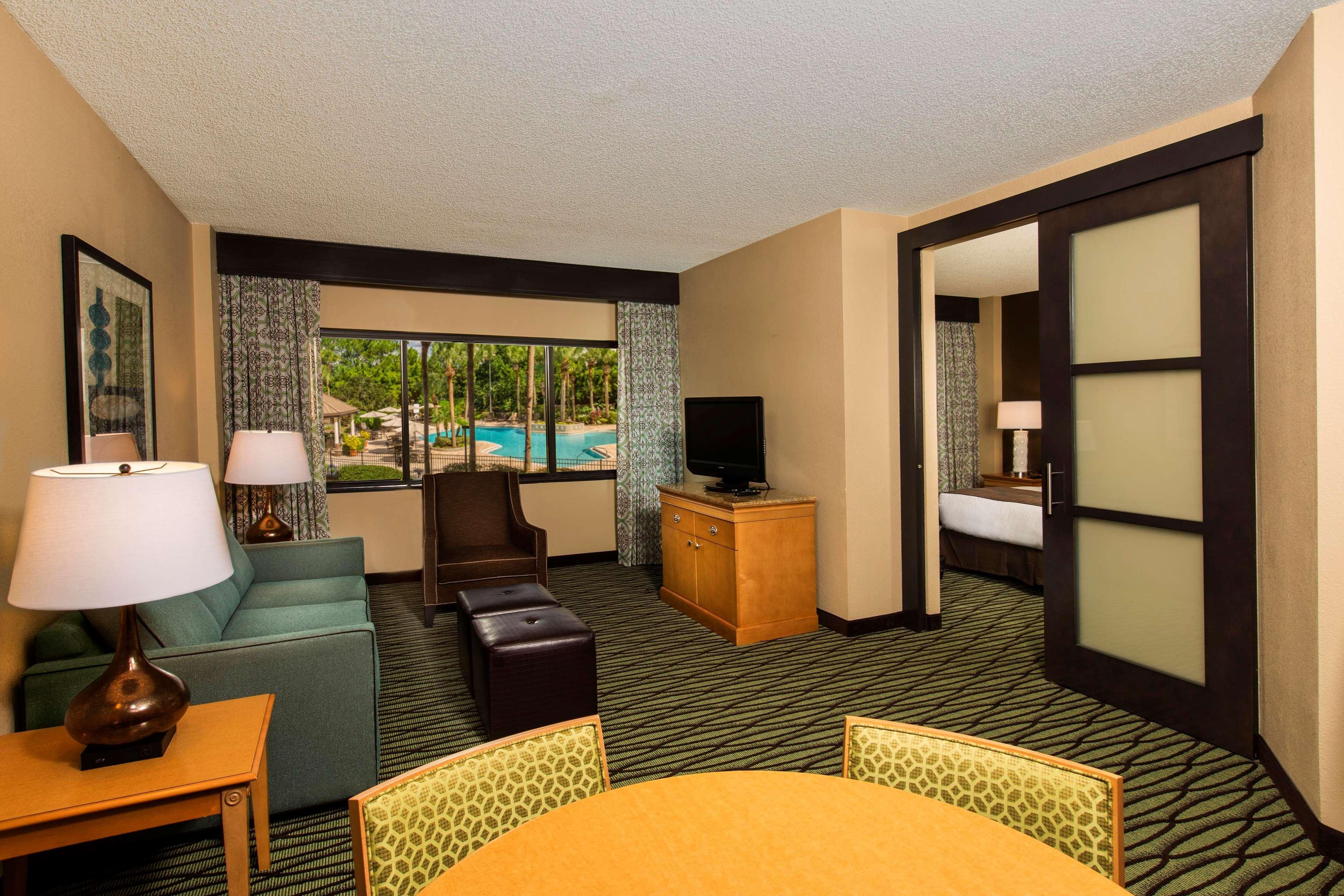 DoubleTree Suites by Hilton Orlando - Disney Springs Area image 4