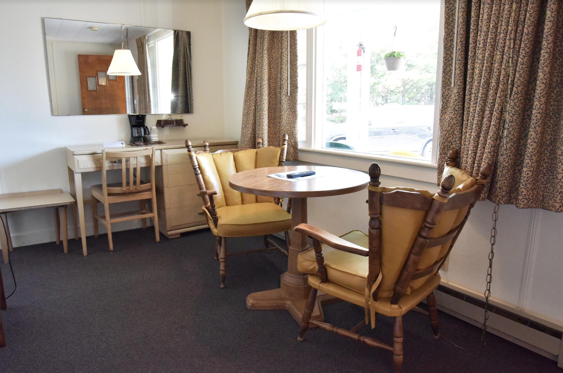 Edenbrook Motel image 8